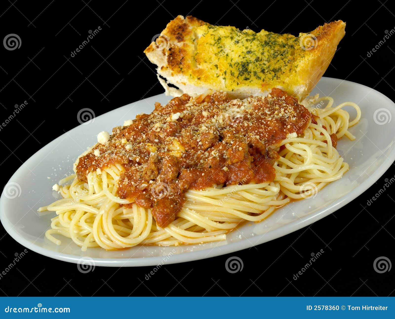 Spaghetti and Garlic Bread