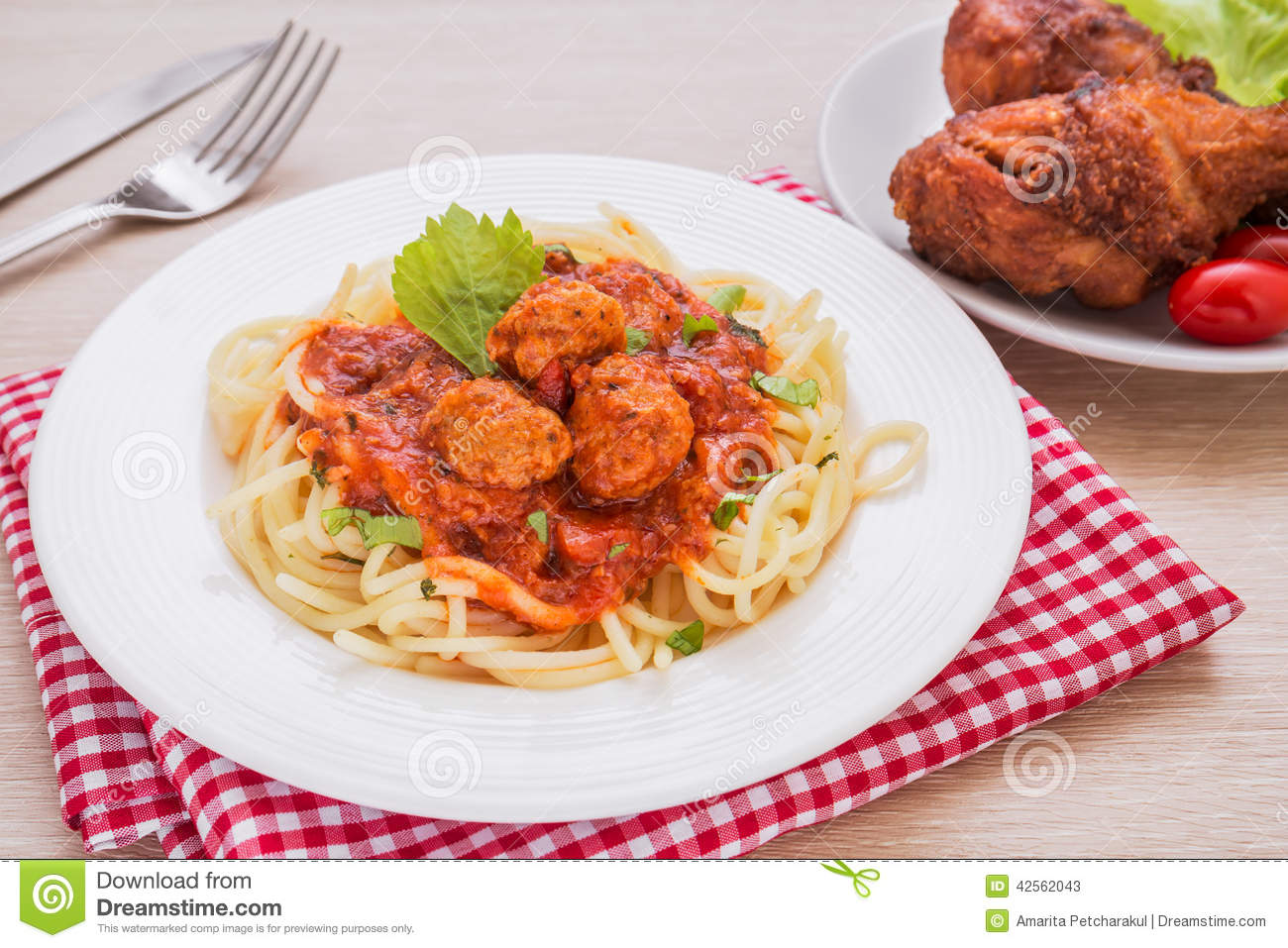 how to make chicken spaghetti with tomato sauce