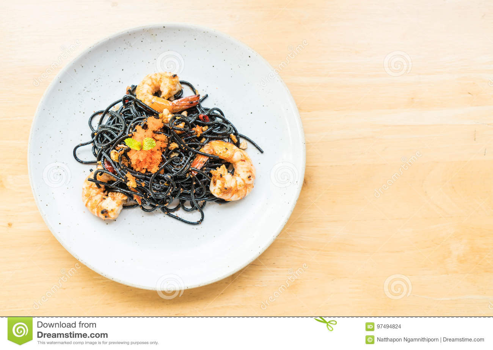 Spaghetti neri con gamberetto