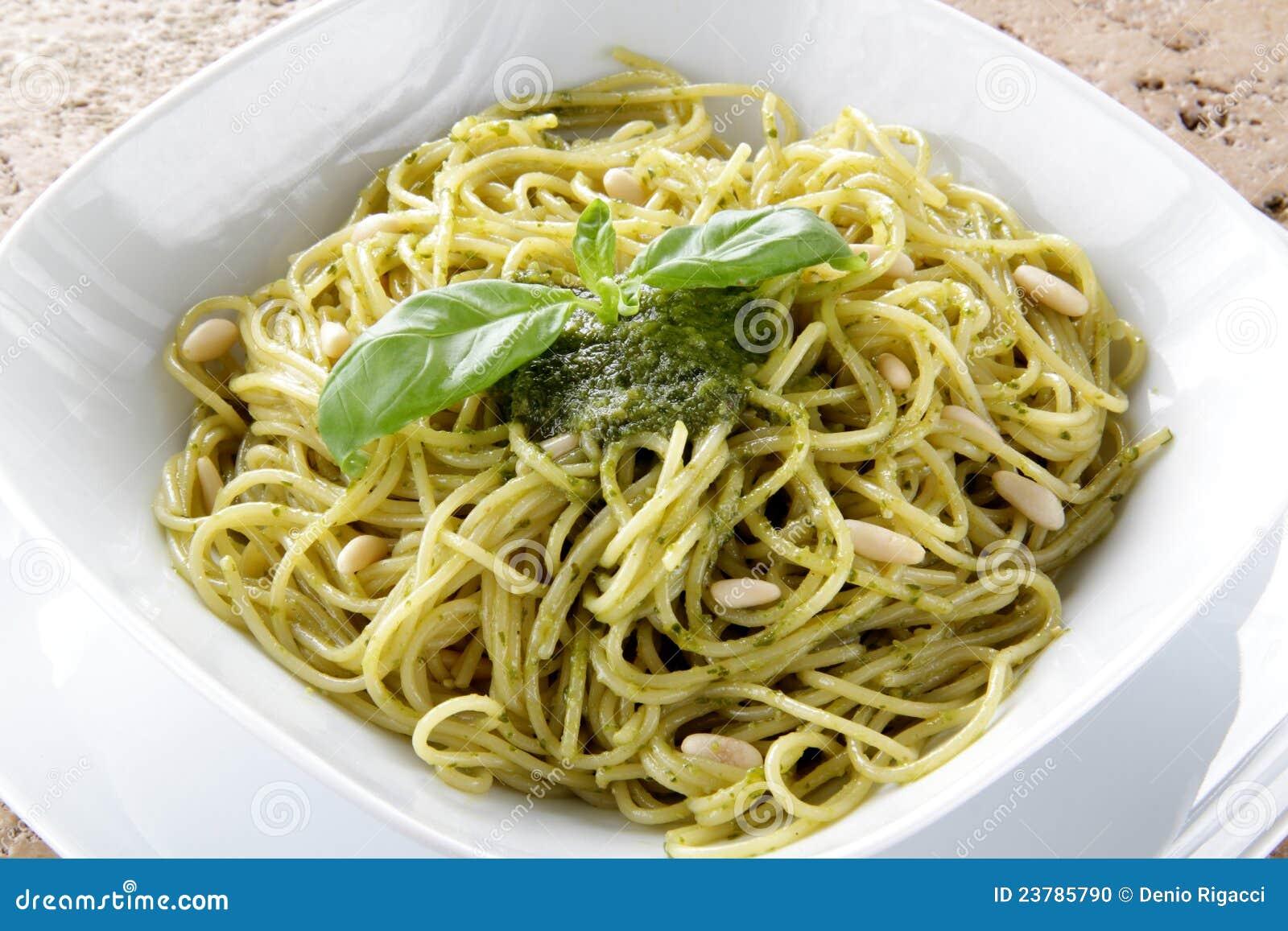Spaghetti Whit Pesto Genovese Stock Photo - Image: 23785790