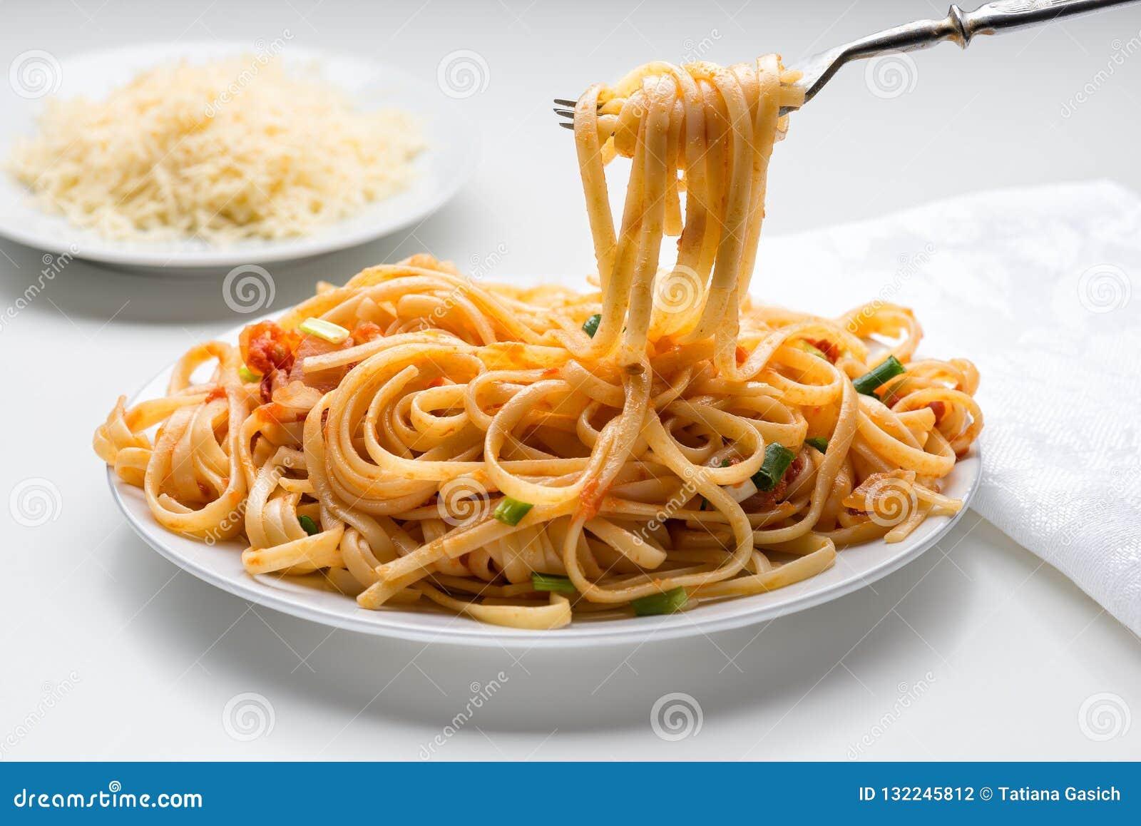 Spaghetti z pomidorowym kumberlandem