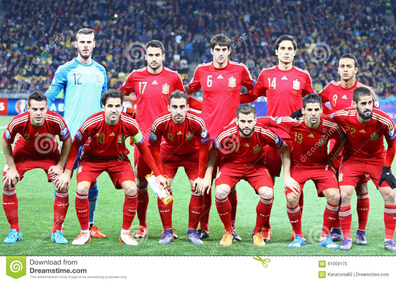 d9a3fd9ad KYIV, UKRAINE - OCTOBER 12, 2015: Players of Spain National football team  pose for a group photo before UEFA EURO 2016 Qualifying game against  Ukraine at ...
