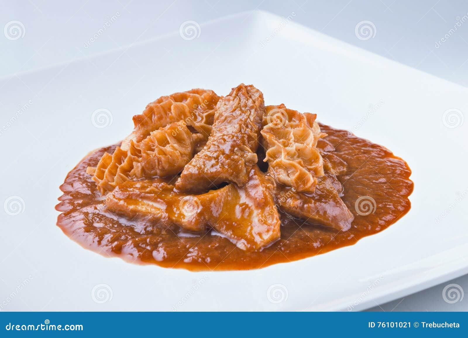 Spanische Küche Callos Rindfleischkaldaunen Mit Soße Stockbild ...