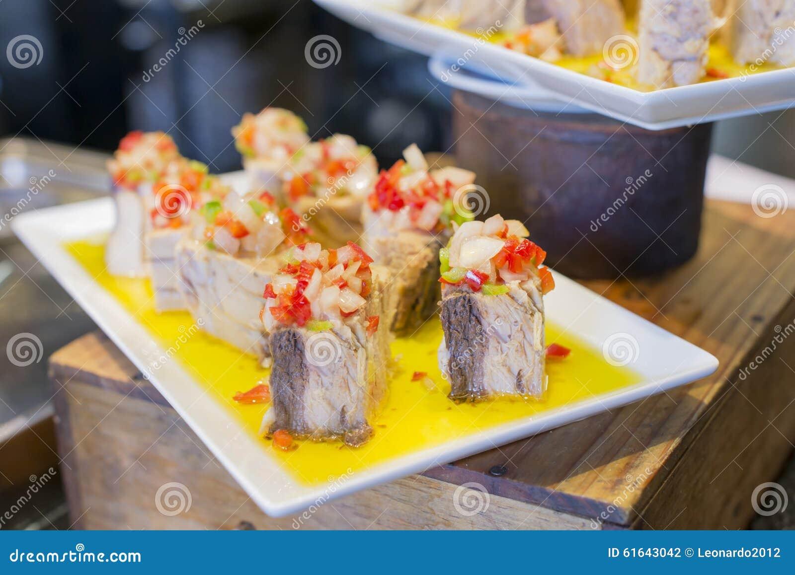 Spanische Tapas, Baskische Küche, Pintxos Bilbao, Spanien Stockfoto ...