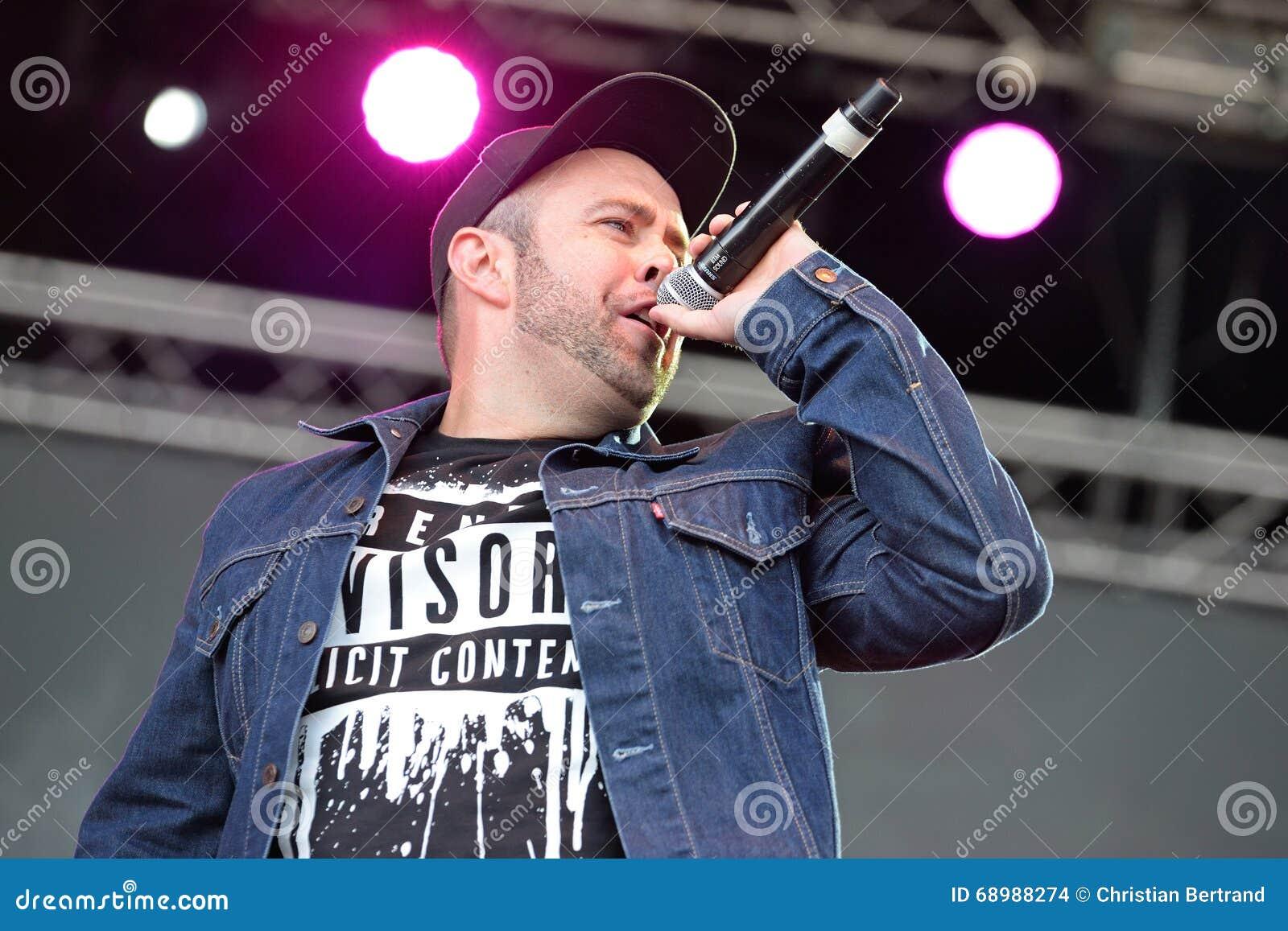Spanischer Rapper am Primavera-Knall-Festival von Badalona
