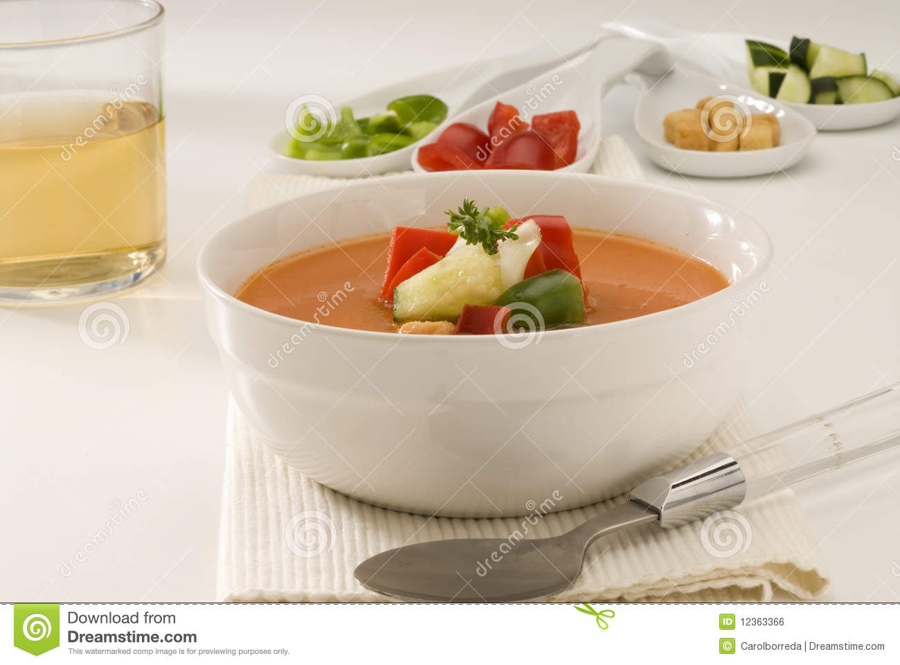 Spanish cuisine gazpacho andalusian cold soup royalty for Andalusian cuisine