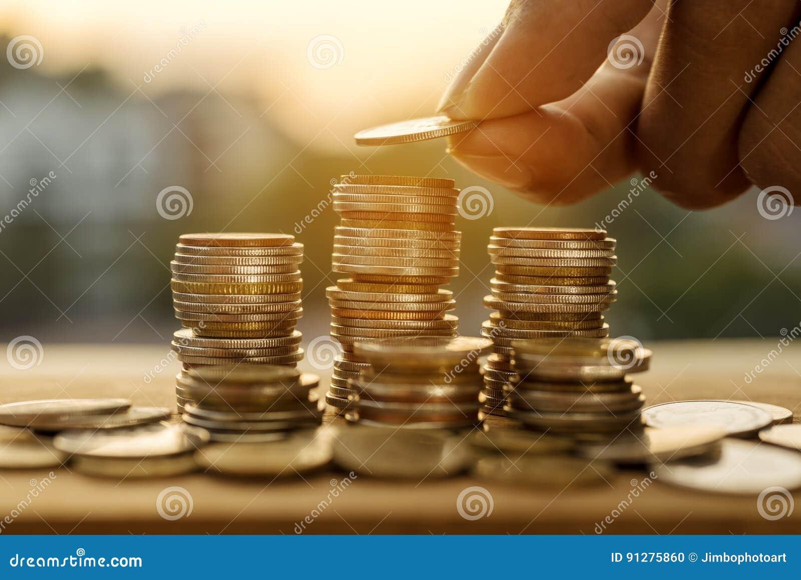 Sparande pengar- och kontofinansbegrepp
