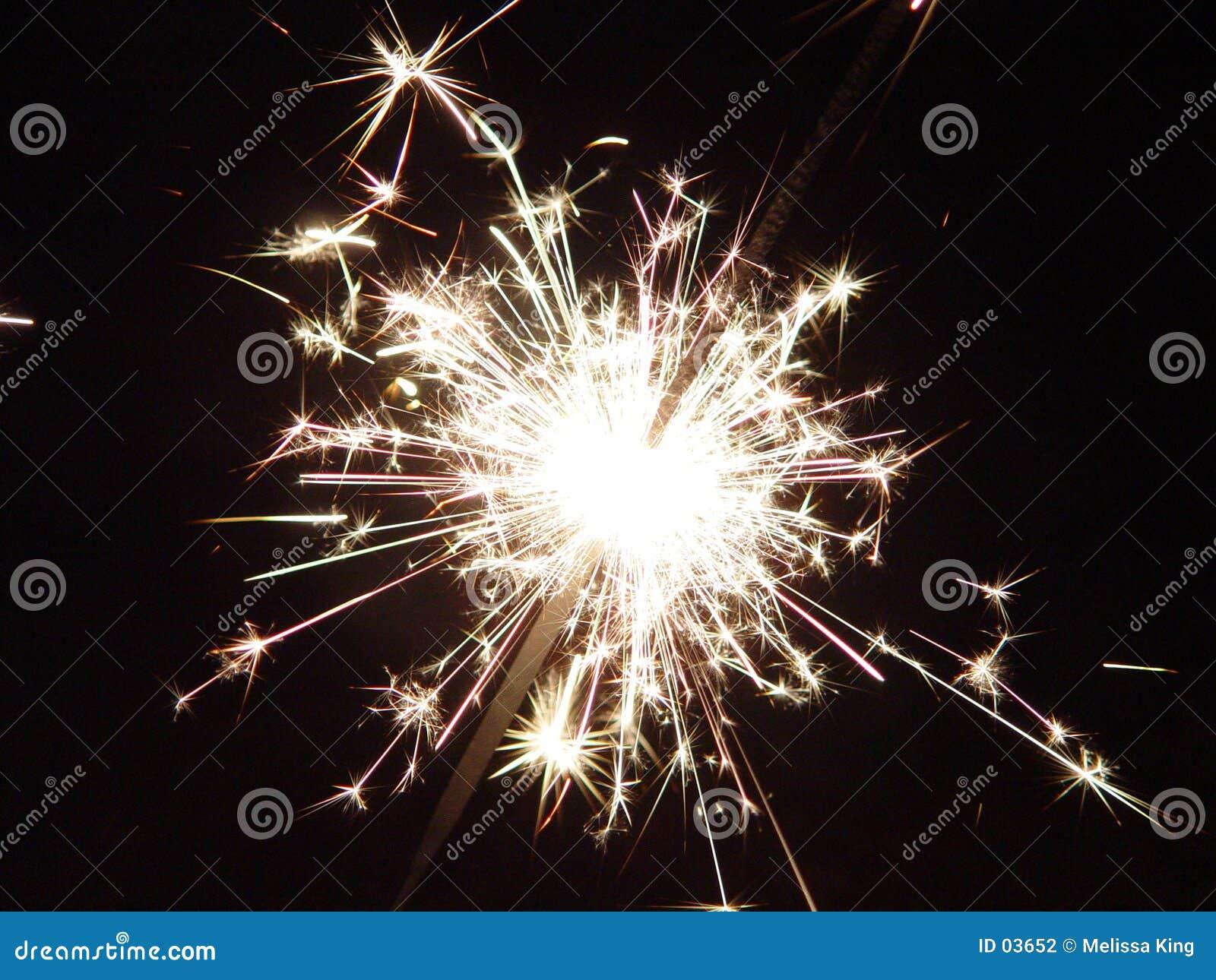 Sparkler de los fuegos artificiales