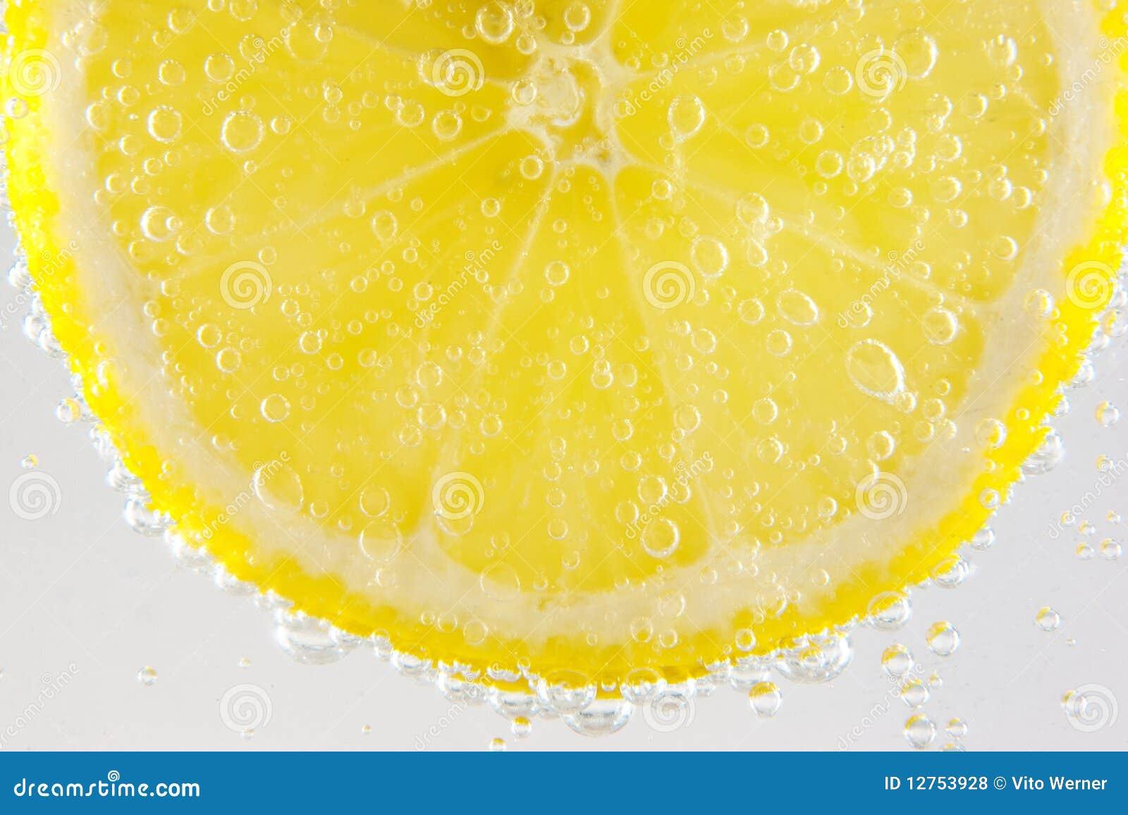 Sparkling vatten för citron