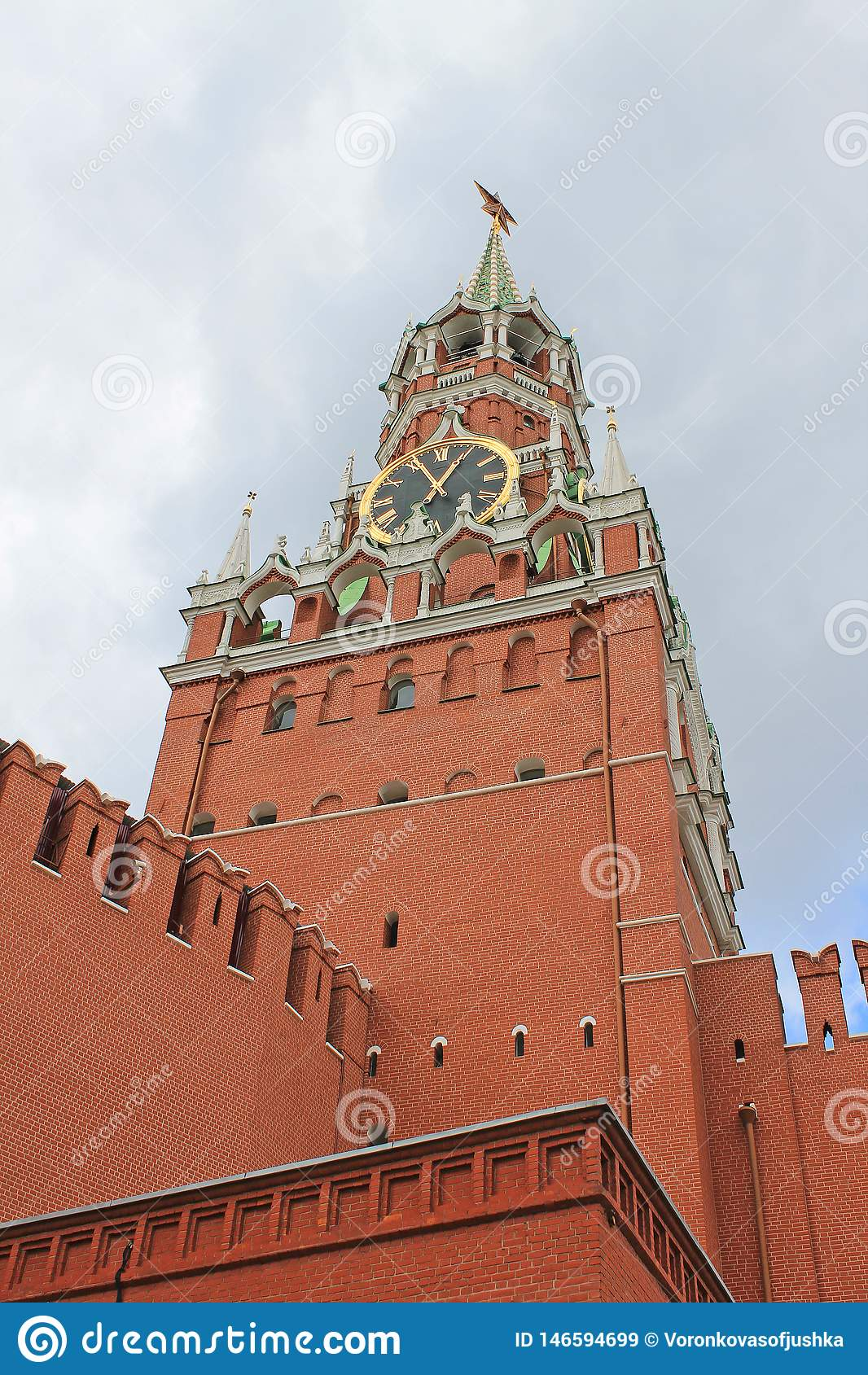 Spasskayatoren van het Kremlin op rood vierkant in Moskou, Rusland
