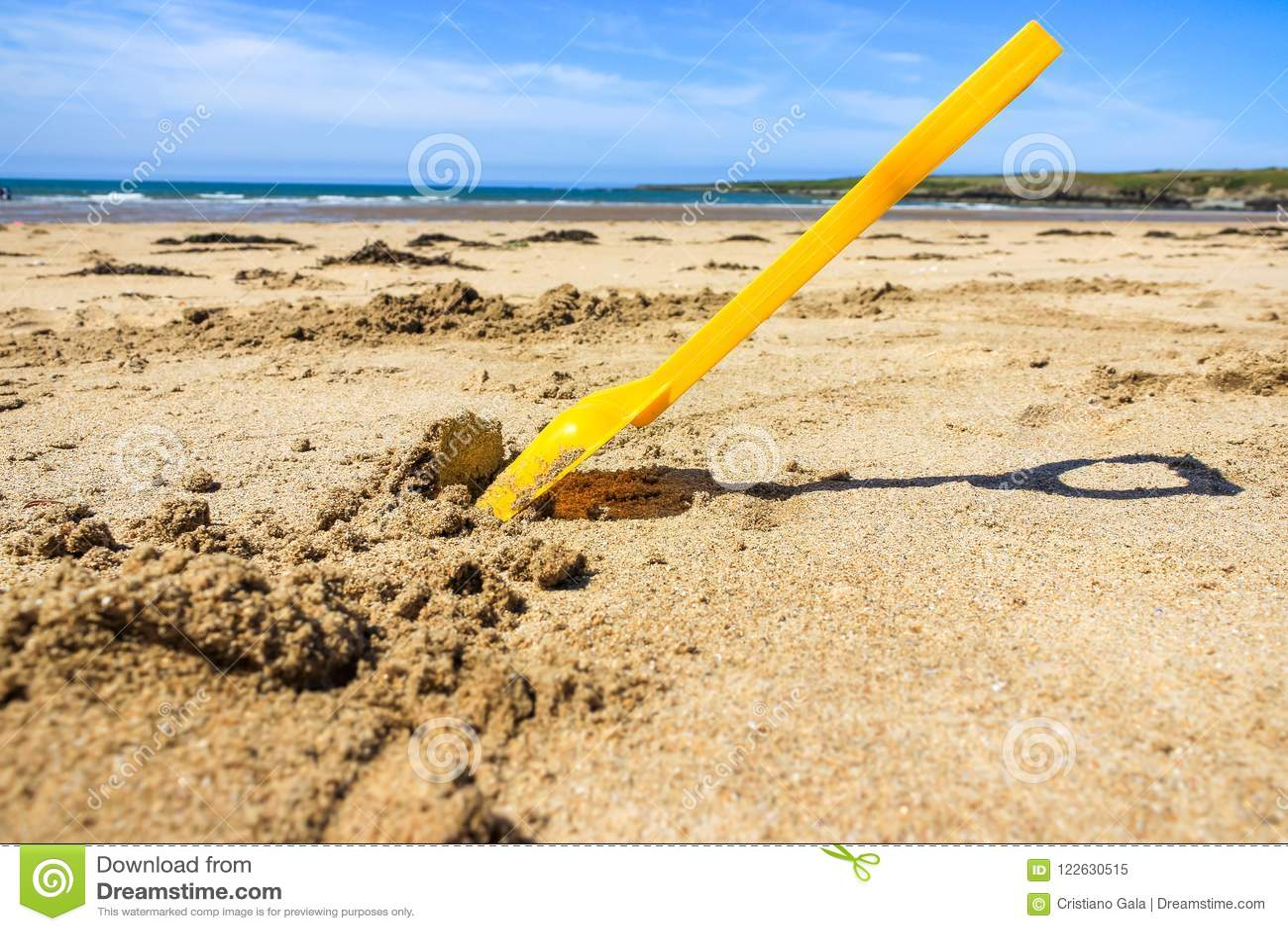 Spaten-Spielzeug, Strand Wales Großbritannien