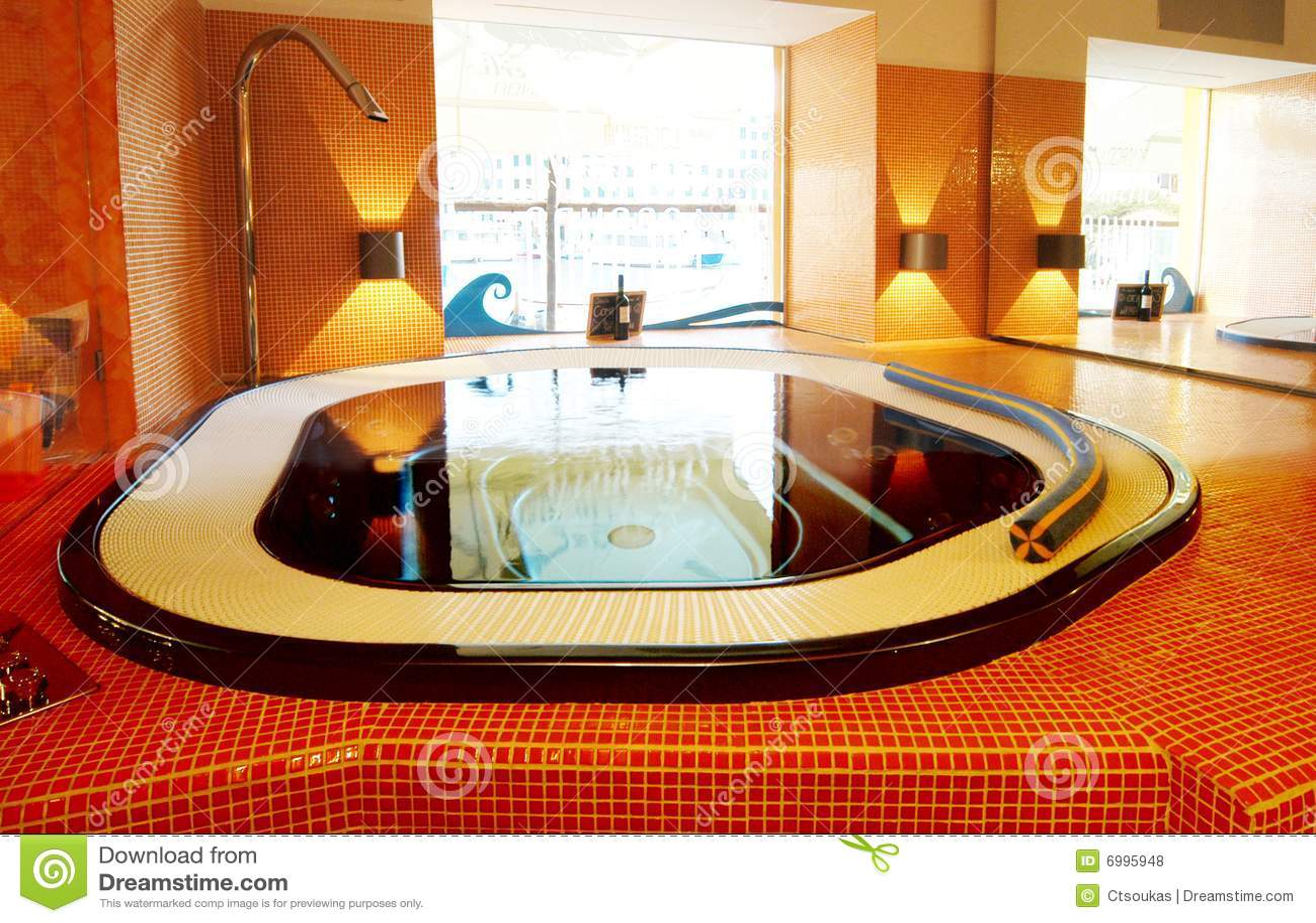 Specchio di illuminazione della stanza da bagno moderno fotografia
