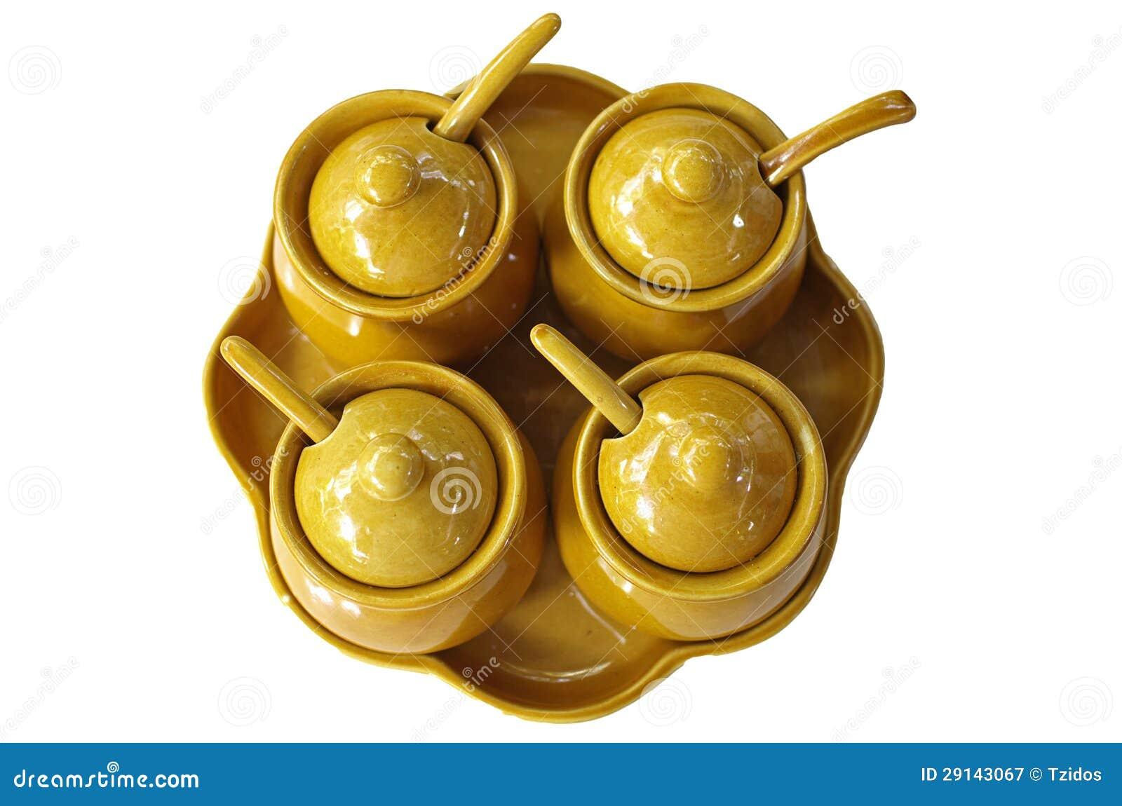 Specerij in ceramische kop
