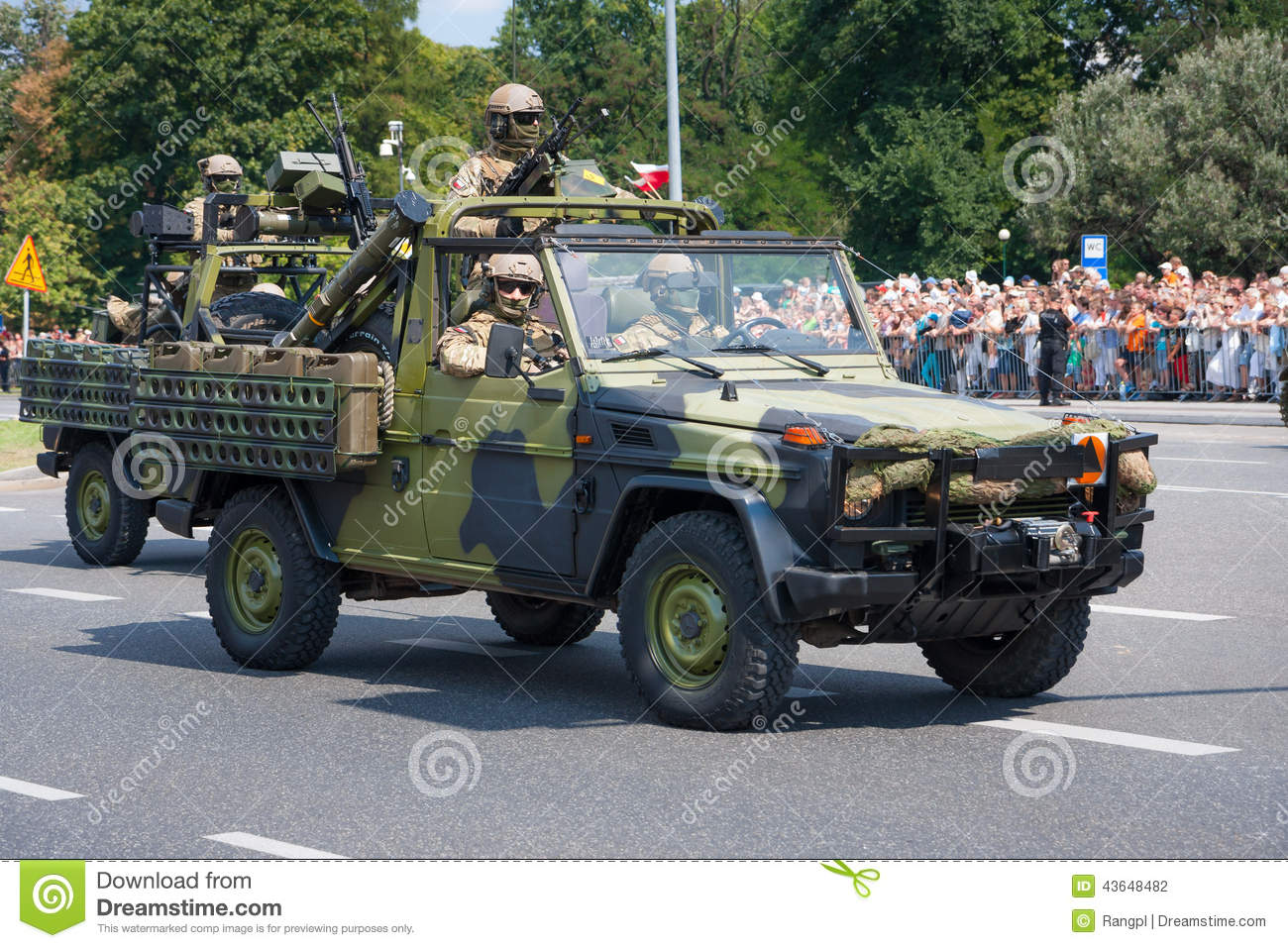 special forces grom in mercedes g editorial photography image of armed army 43648482. Black Bedroom Furniture Sets. Home Design Ideas