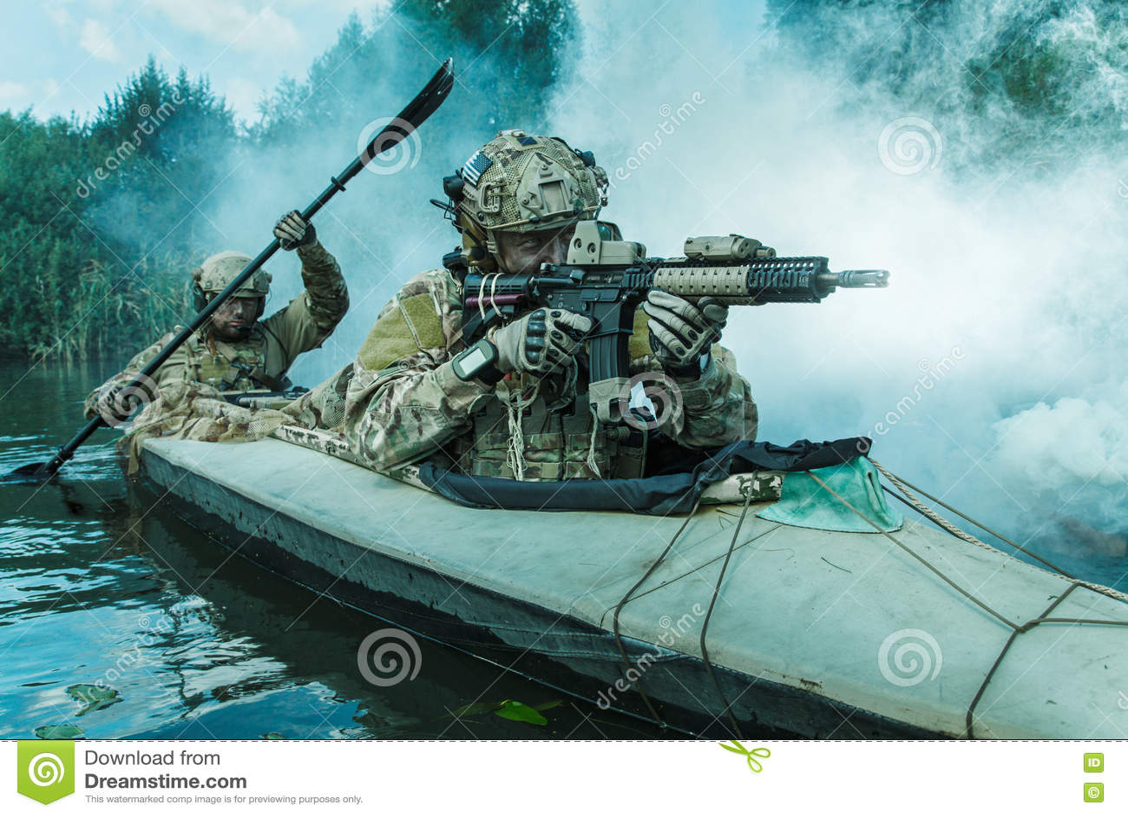 Specifikations-ops i den militära kajaken