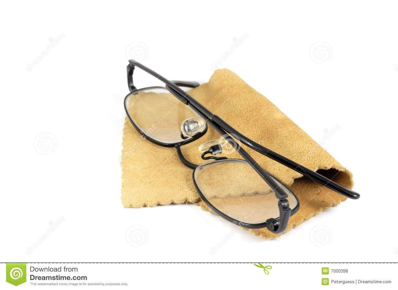 how to clean spectacles properly