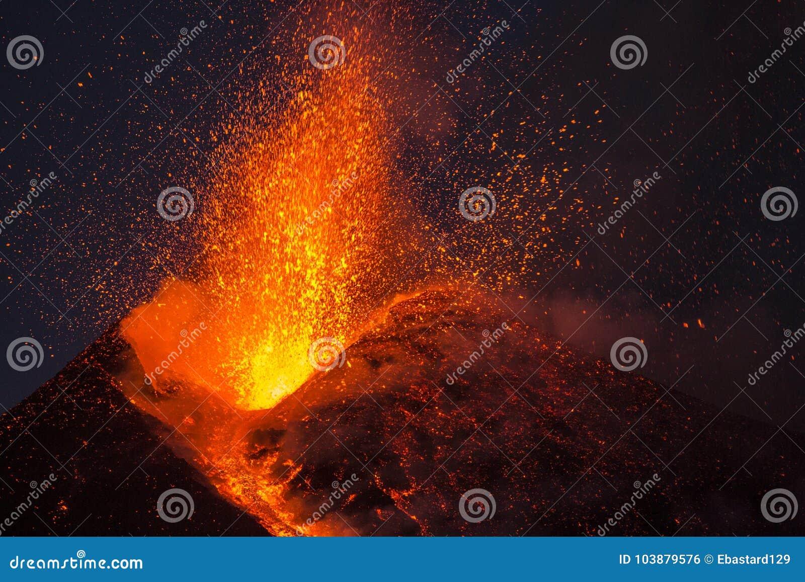 Spectaculaire Volcano Etna-uitbarsting, Sicilië, Italië
