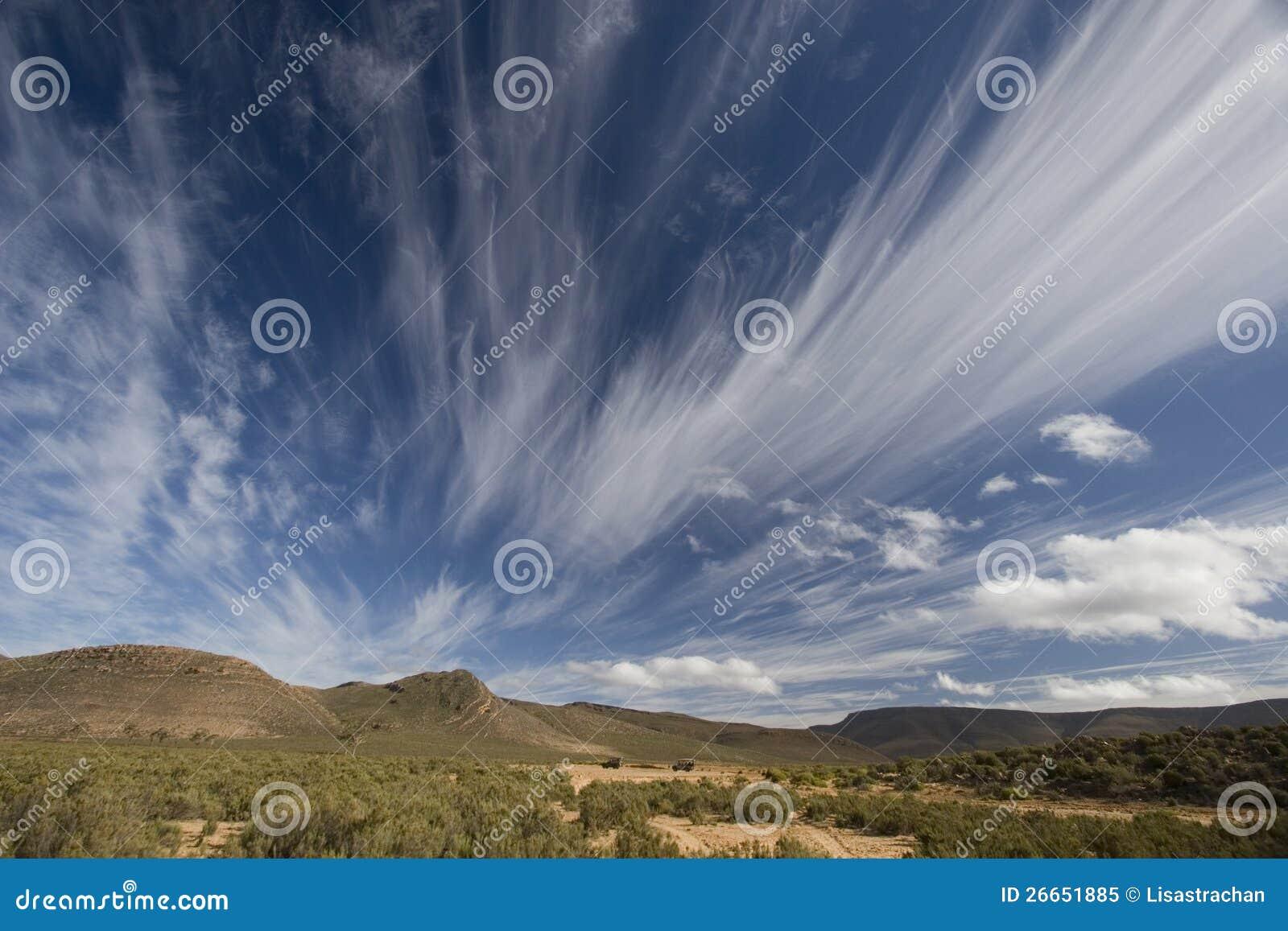 Spectaculaire wolken over het landschap