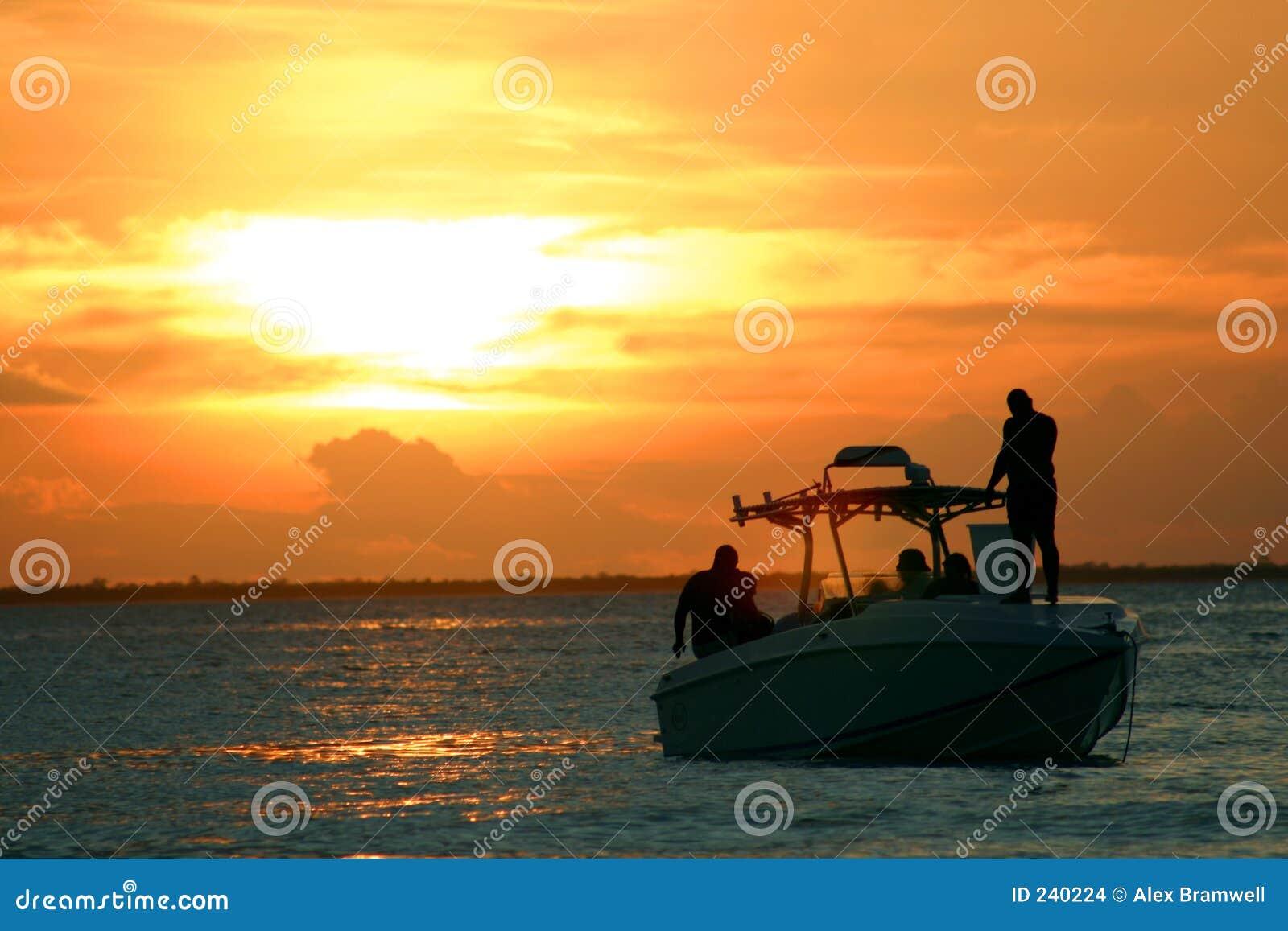 Speedboatsolnedgång