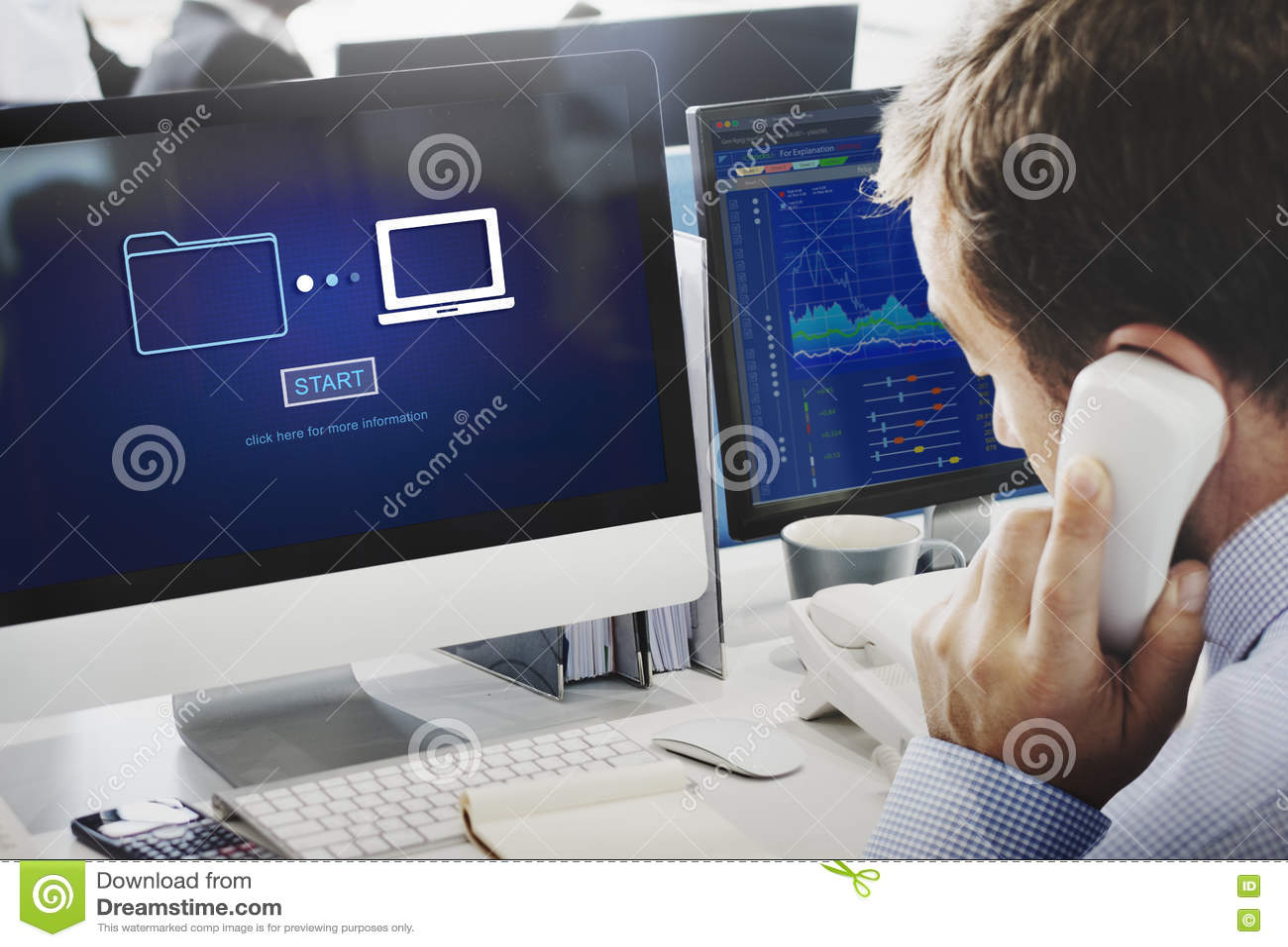 Speicheron-line-Datenübertragungs-Synchronisierungs-Informationstechnologie-Konzept