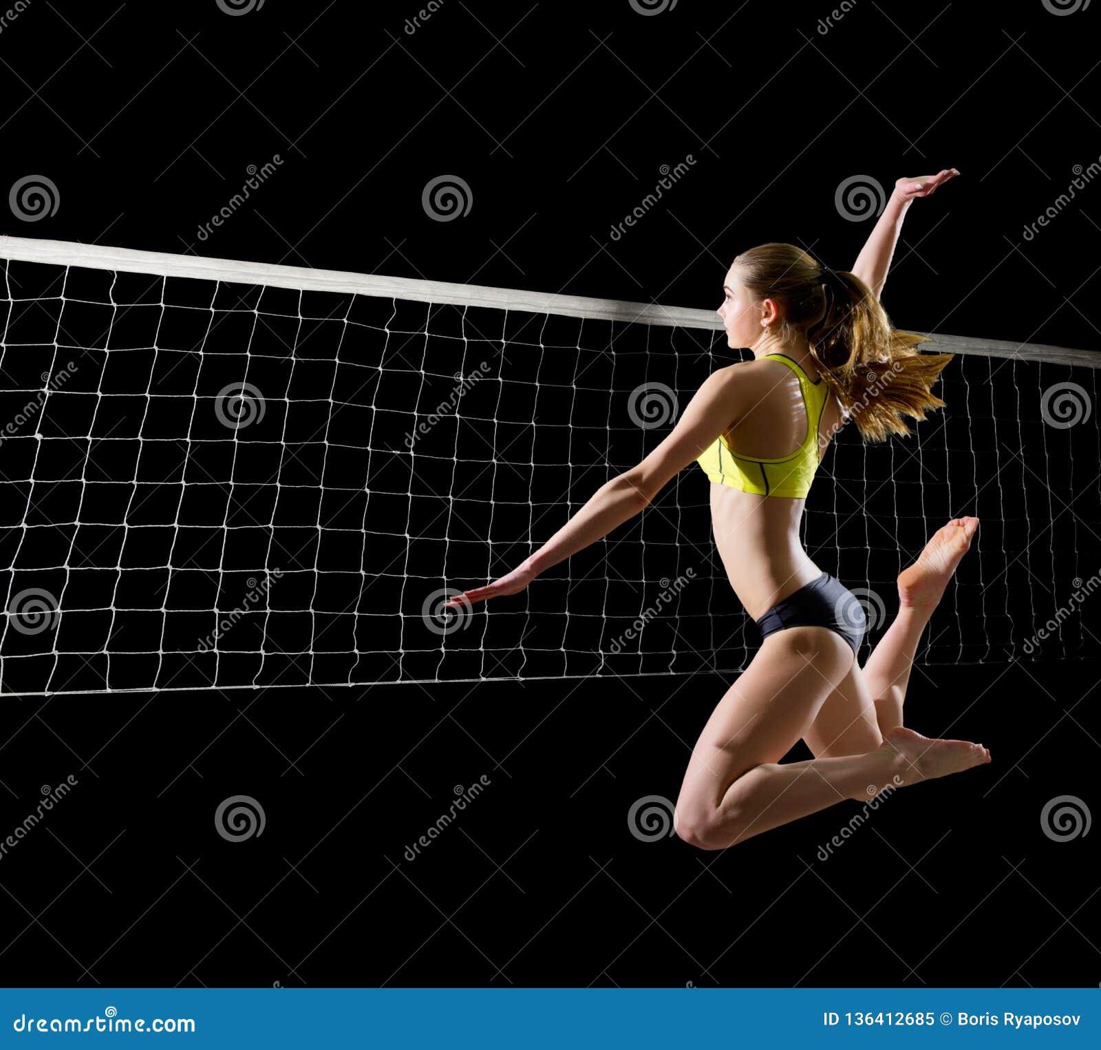 Spelare för kvinnastrandvolleyboll med netto version
