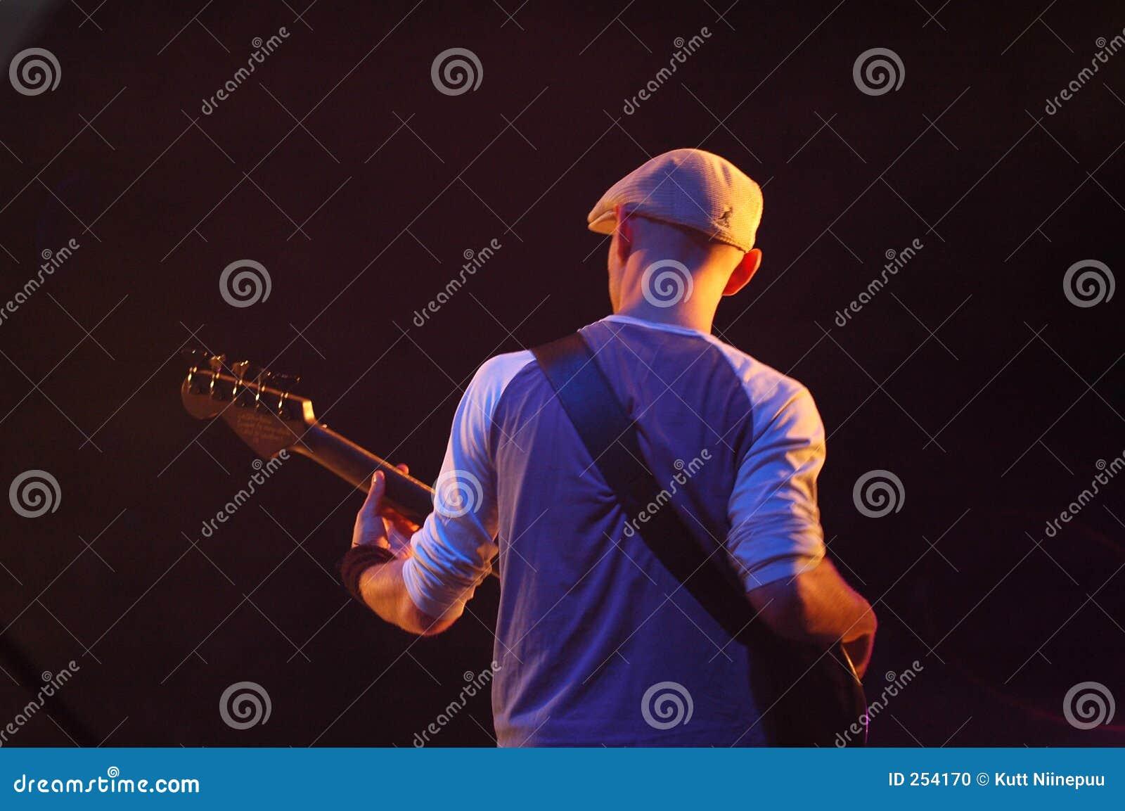 Speler 2 van de gitaar