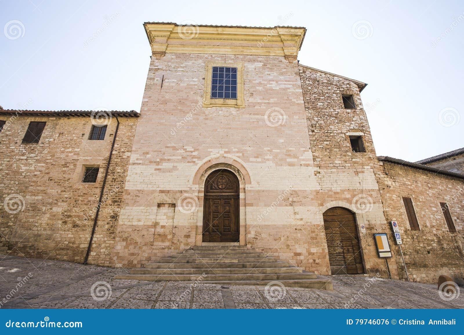 Spello Iglesia de Andrea del santo en Umbría en Italia