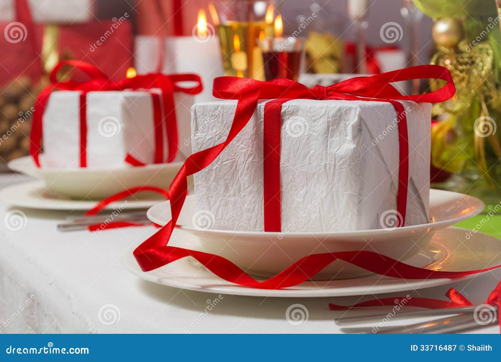spezielle weihnachtsgeschenke f r jeder auf platten. Black Bedroom Furniture Sets. Home Design Ideas