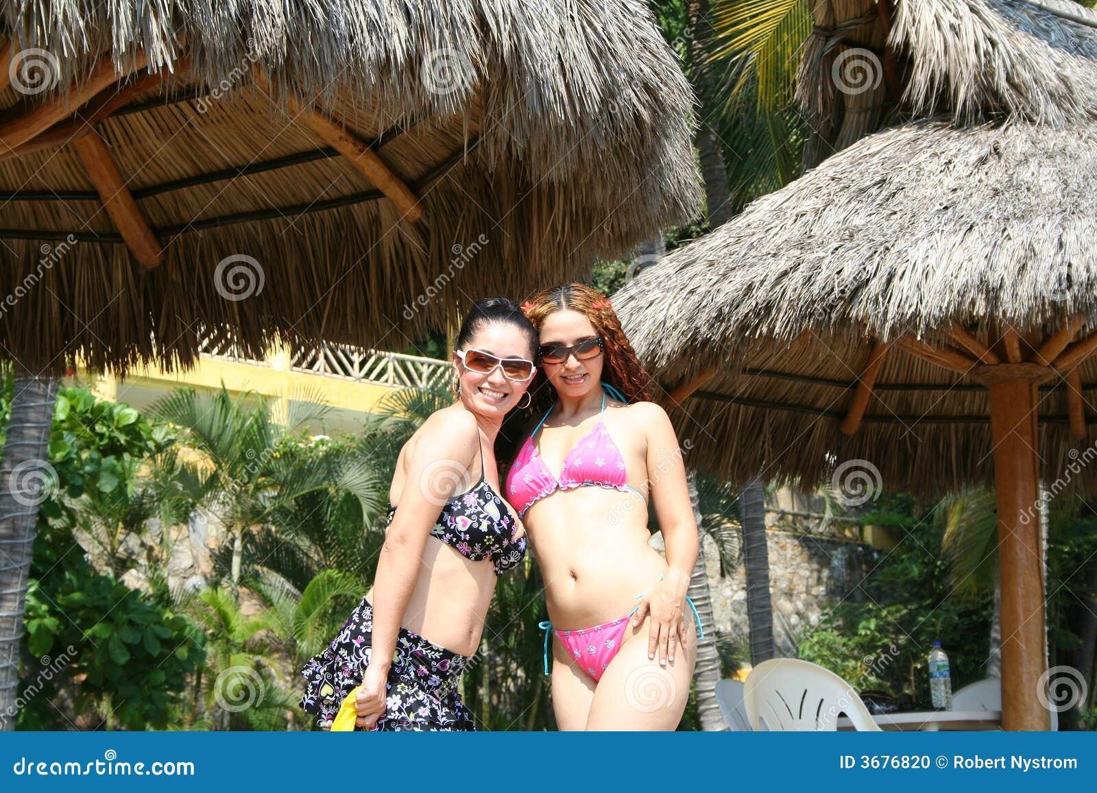 Download Spiaggia 2 fotografia stock. Immagine di seductive, sabbia - 3676820