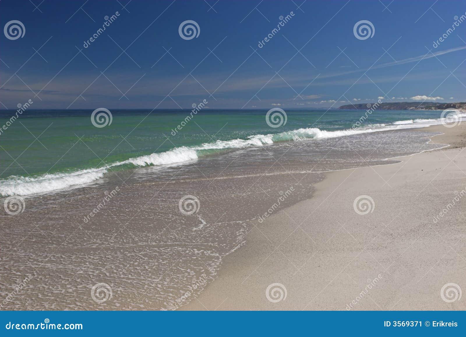 Spiaggia bianca della sabbia