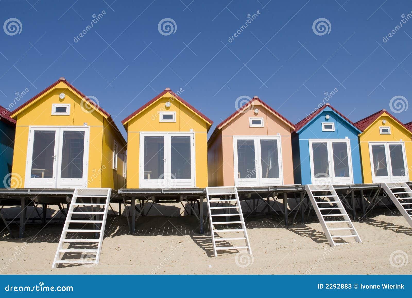 Spiaggia case colorate immagine stock immagine di festa for Fotografie case