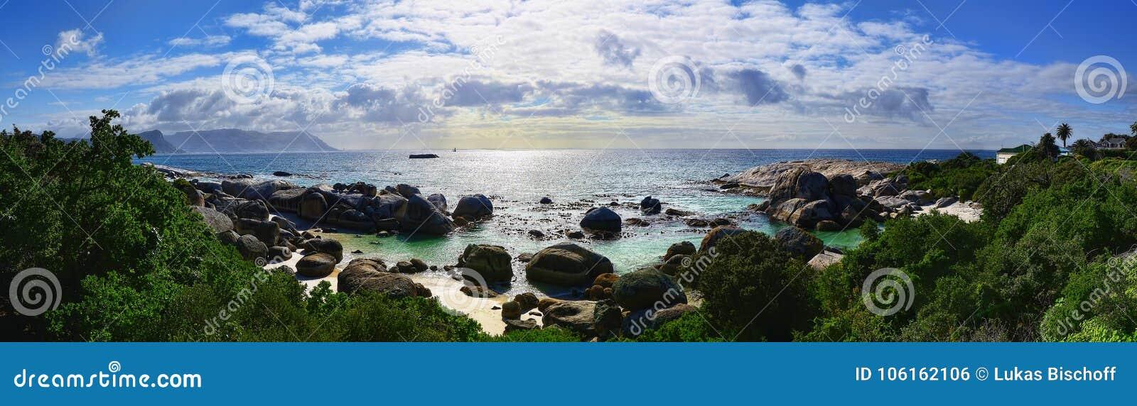 Spiaggia dei massi del Sudafrica