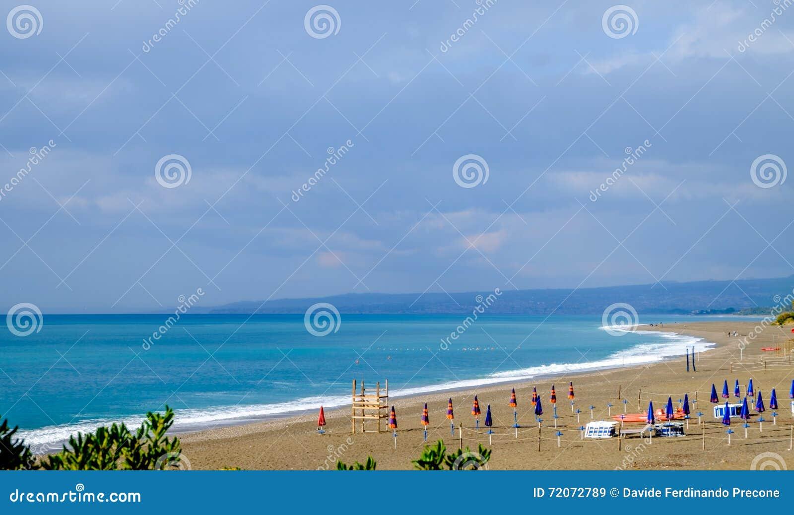 Giardini naxos la spiaggia di san pancrazio pienamente