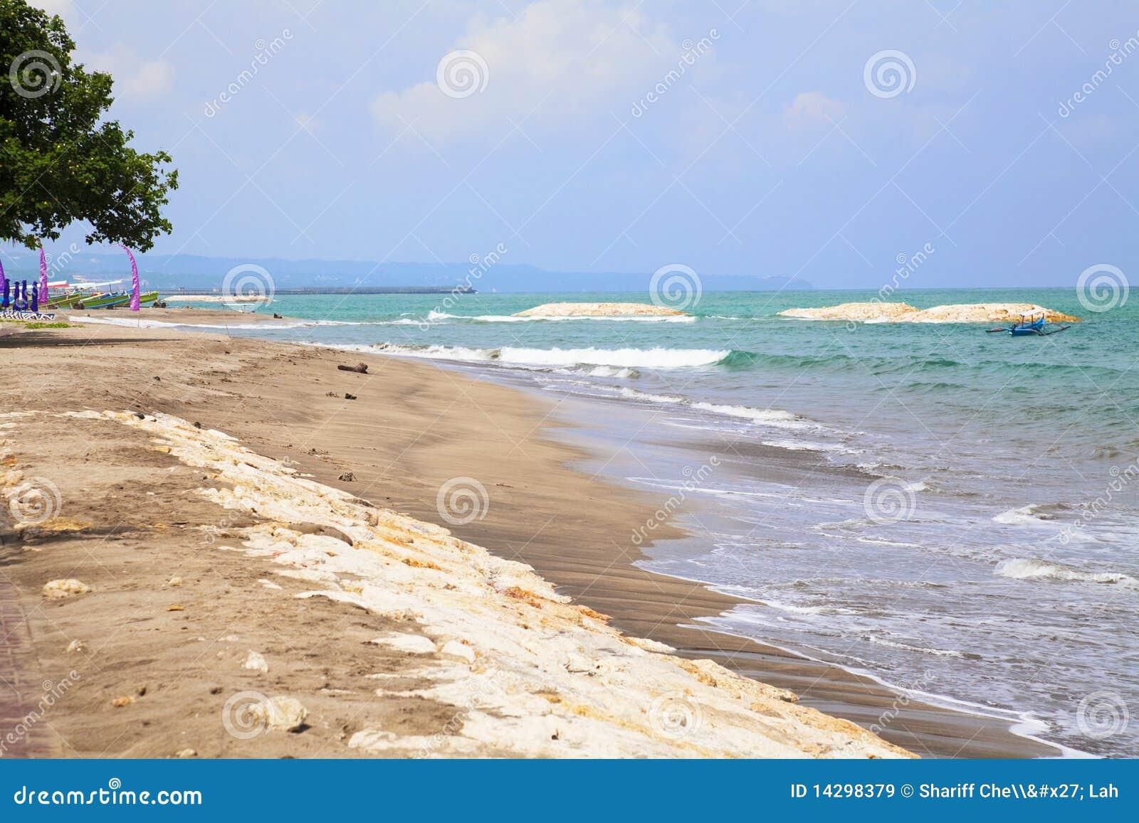 Matrimonio Spiaggia Bali : Spiaggia di kuta bali indonesia immagine stock