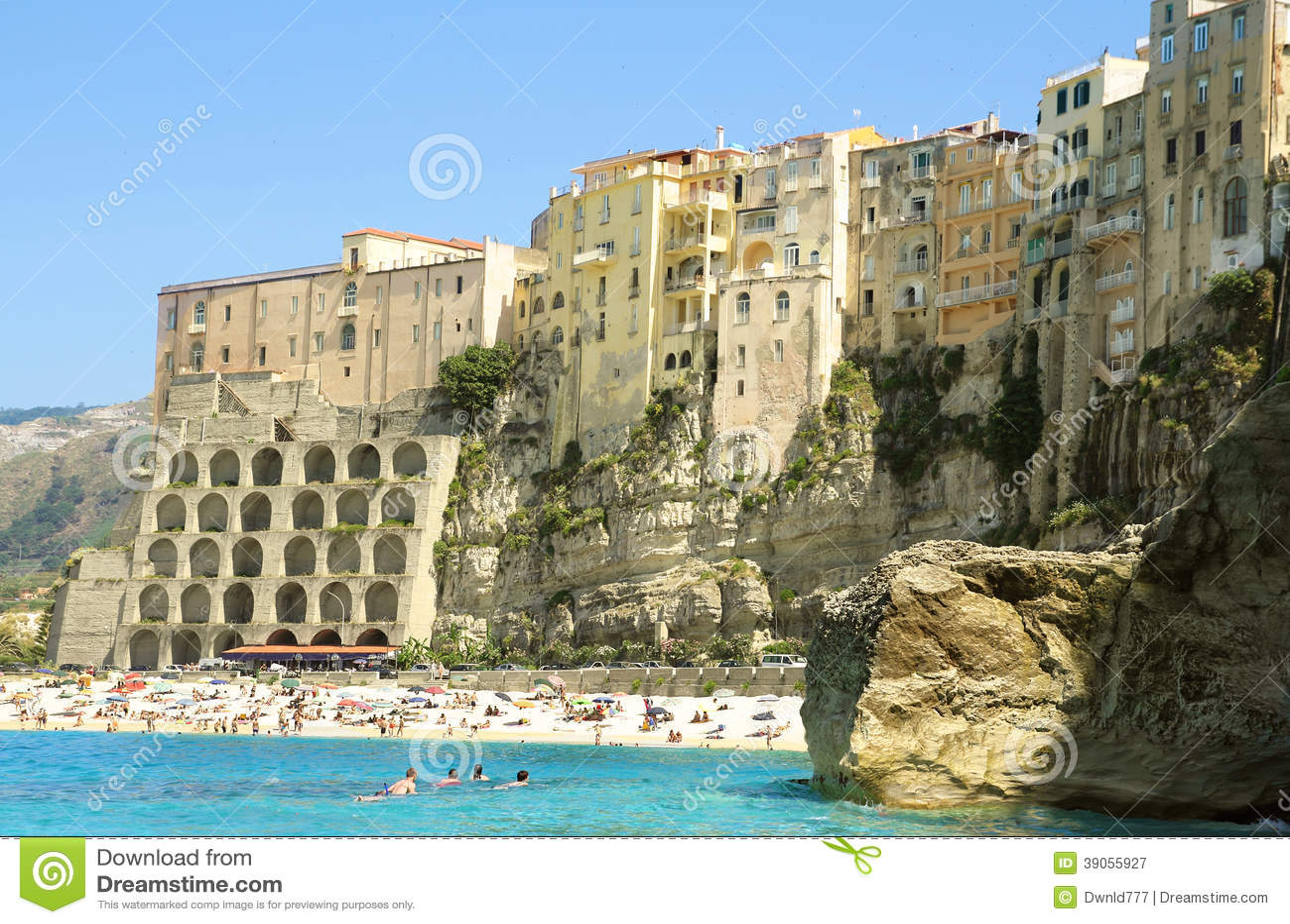 Matrimonio Spiaggia Tropea : Spiaggia di tropea fotografia editoriale immagine