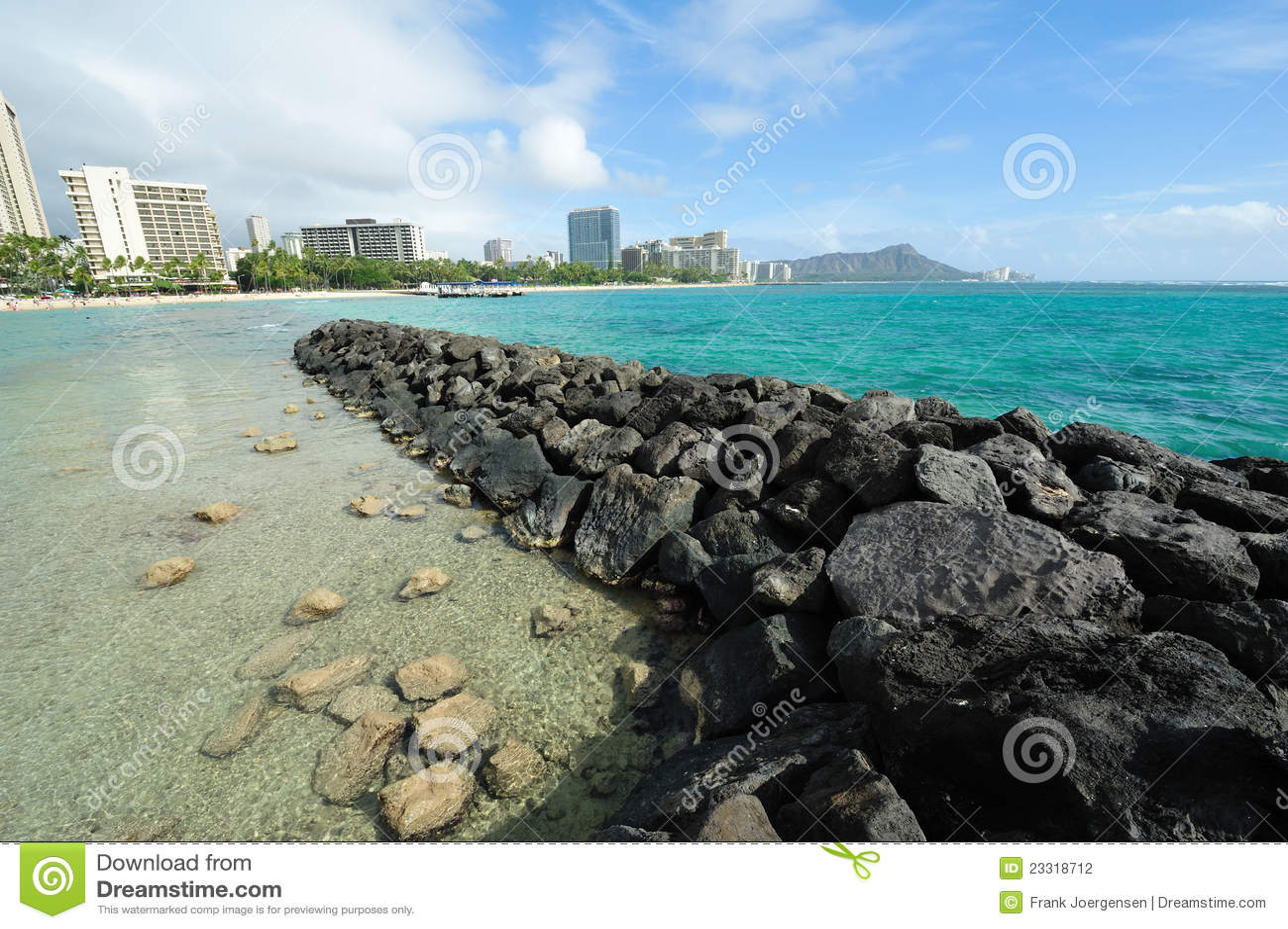 Spiaggia di Waikiki con la testa del diamante