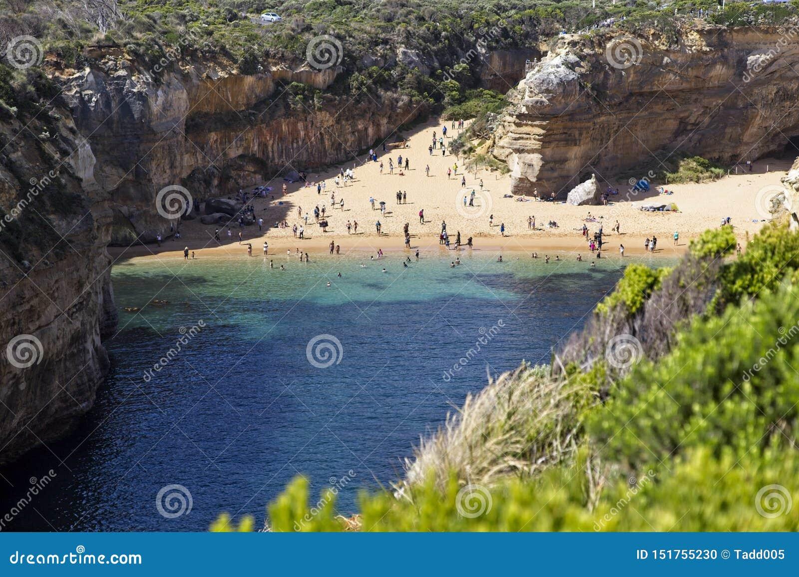 Spiaggia isolata lungo la grande strada dell oceano