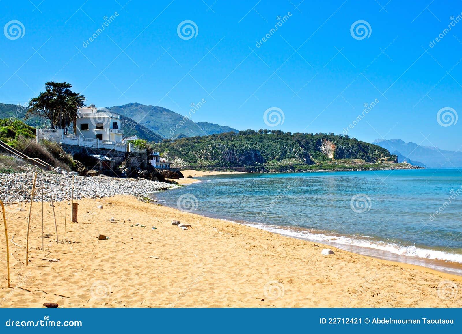 Spiaggia jijel algeria immagine stock immagine di sabbia 22712421 for Canape bord de mer