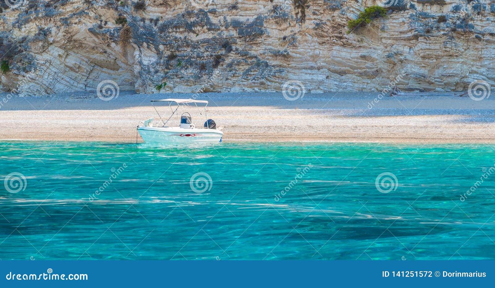 Spiaggia Paradise di Wid su Corfù