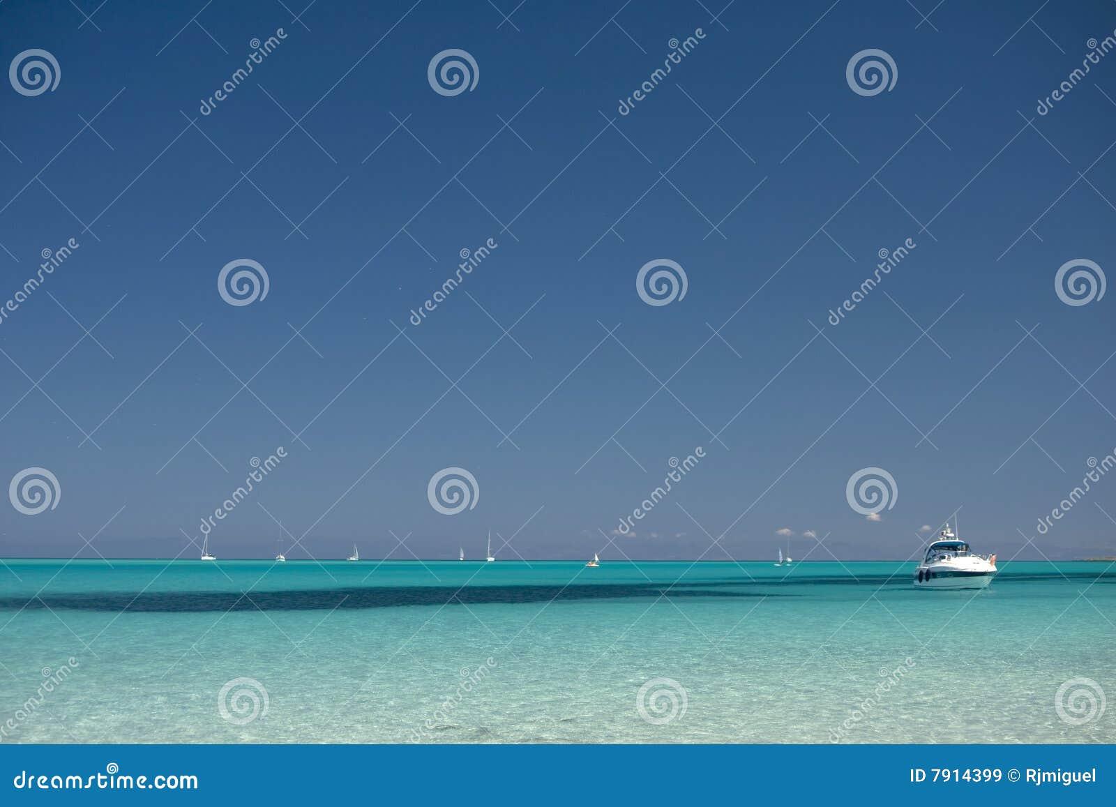 Spiaggia tropicale immagine stock immagine di scenico for Disegni di casa sulla spiaggia tropicale