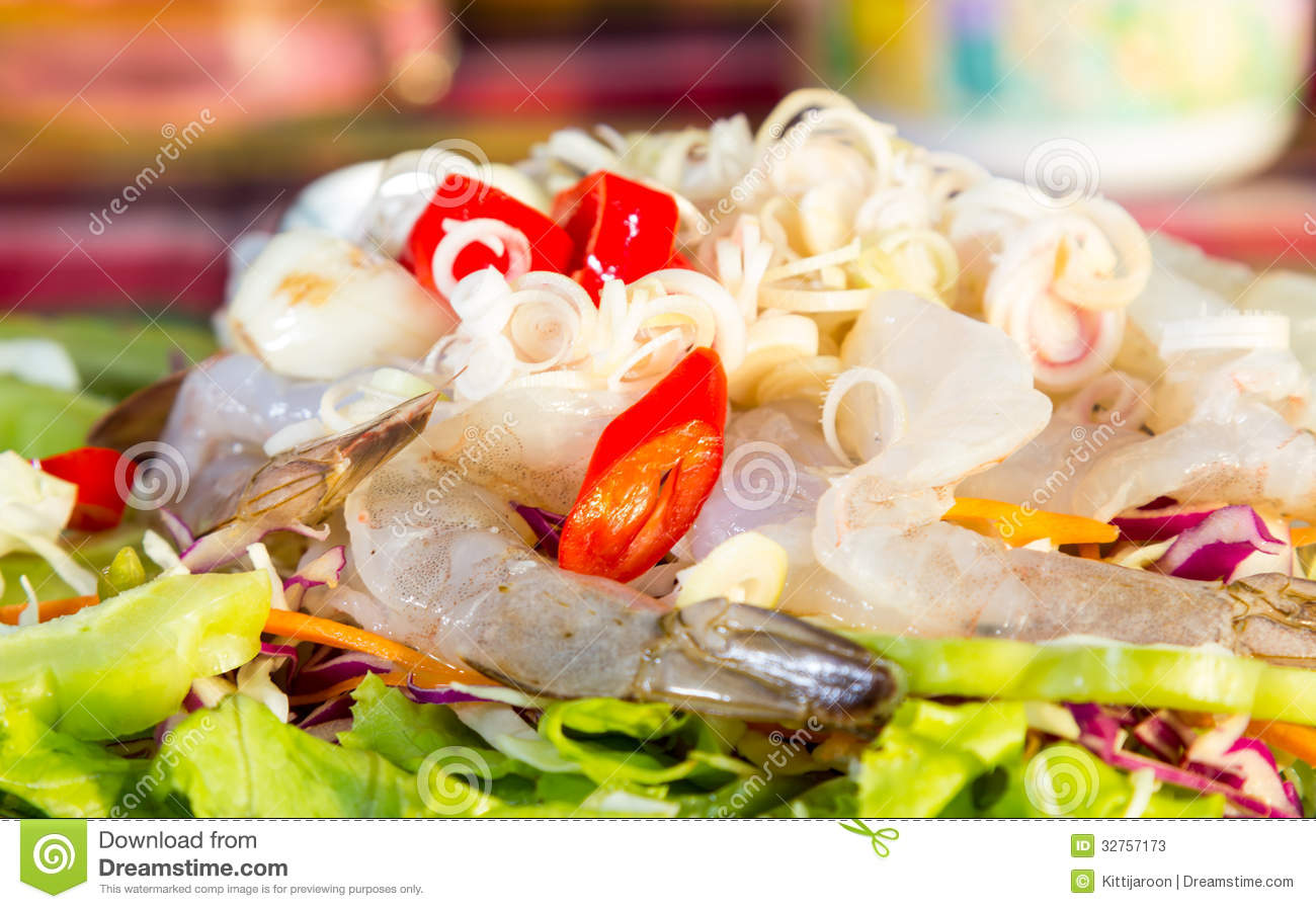 Spicy Salad Of Fresh Shrimp Stock Photos - Image: 32757173
