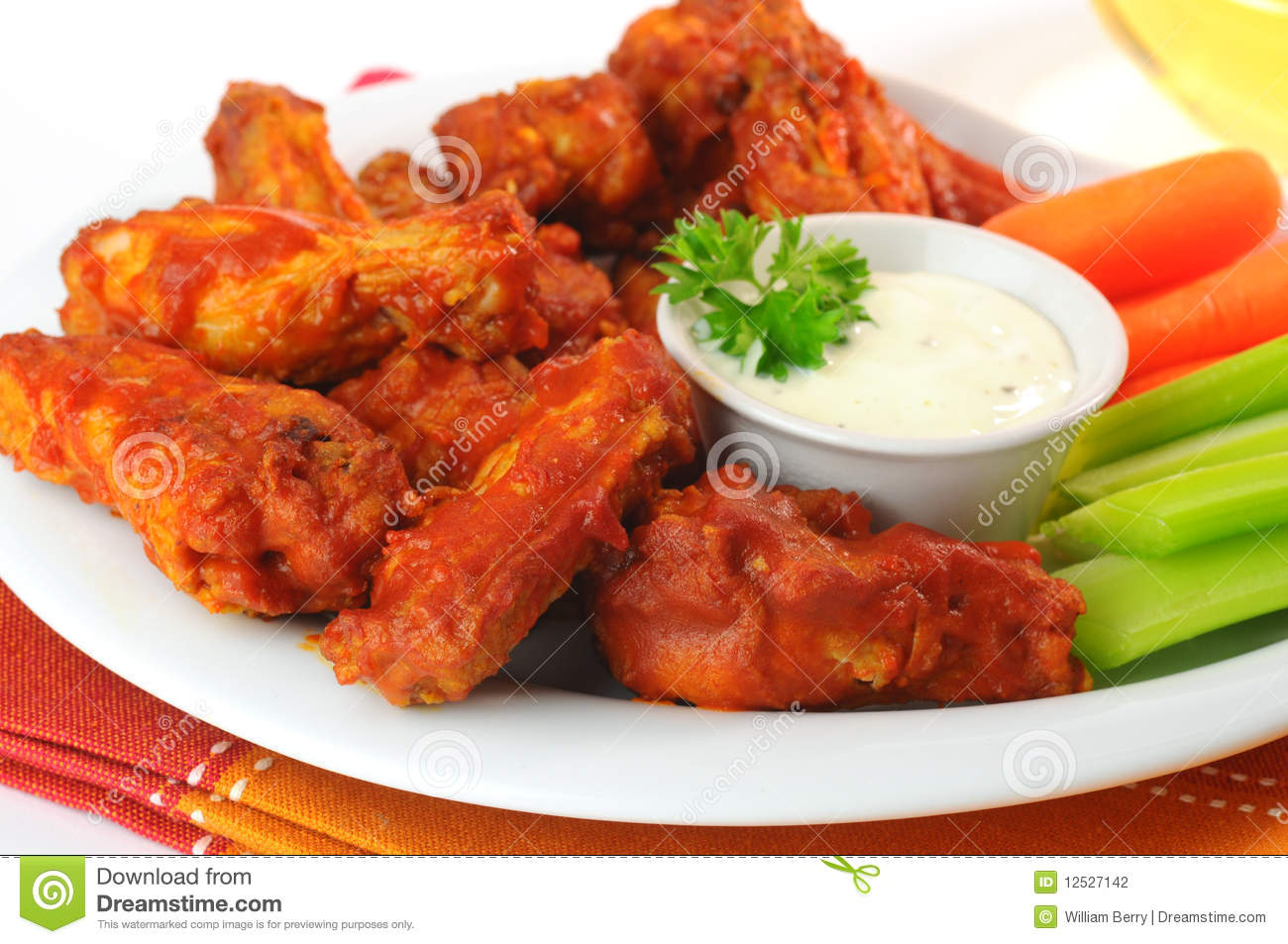 SPICY BUFFALO STYLE WINGS | Eat and Exercise