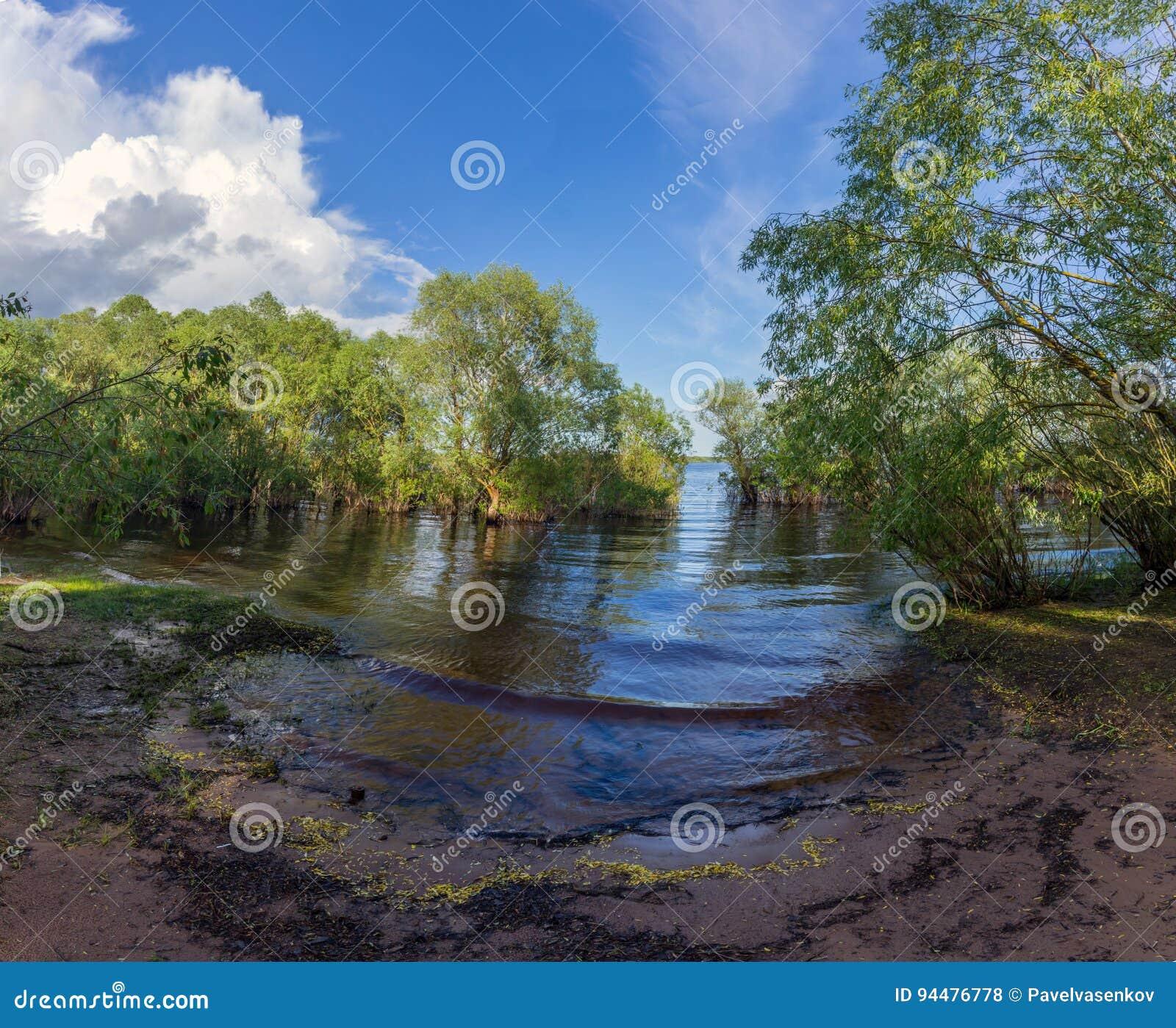 Where is the lake Ilmen in Russia 24