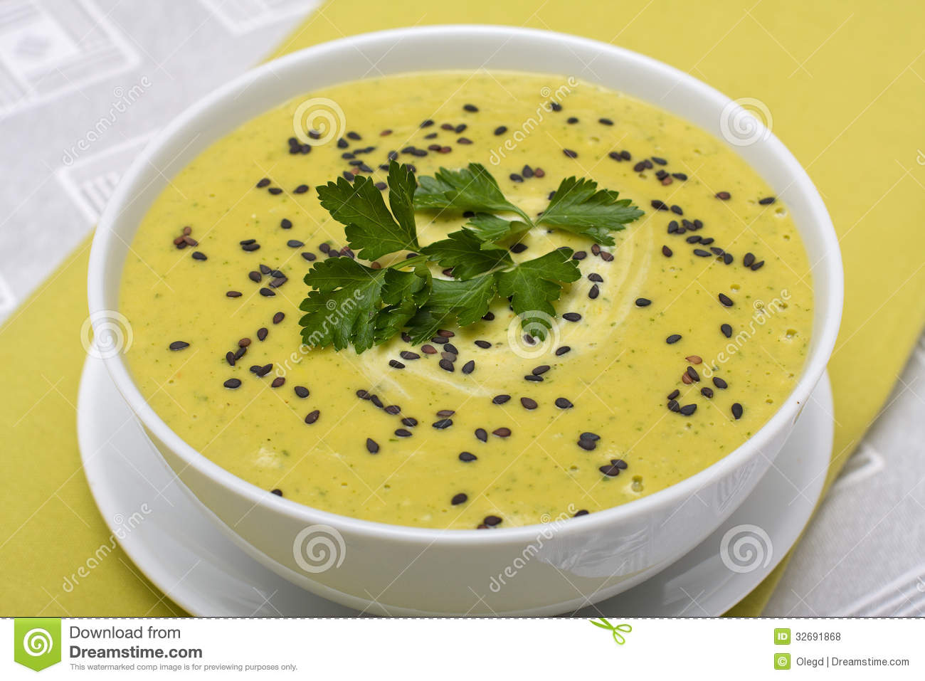 Spinach Cream Soup Royalty Free Stock Photos - Image: 32691868