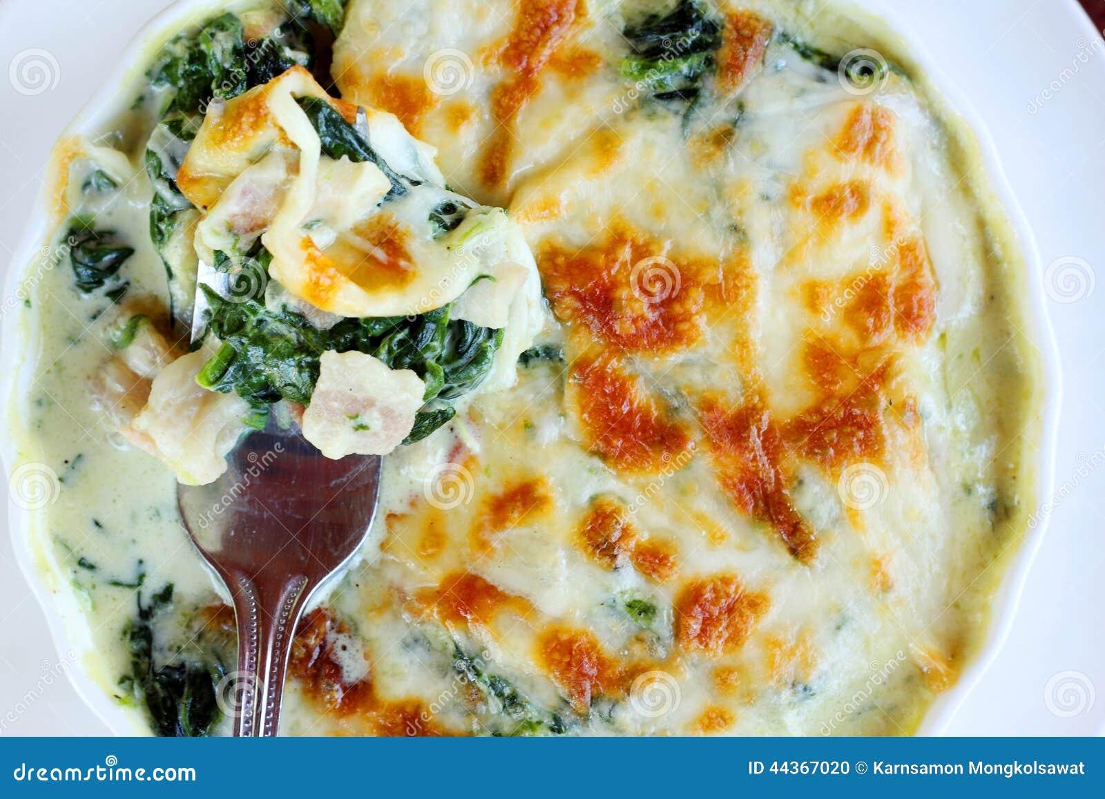 Spinaci cotti con formaggio
