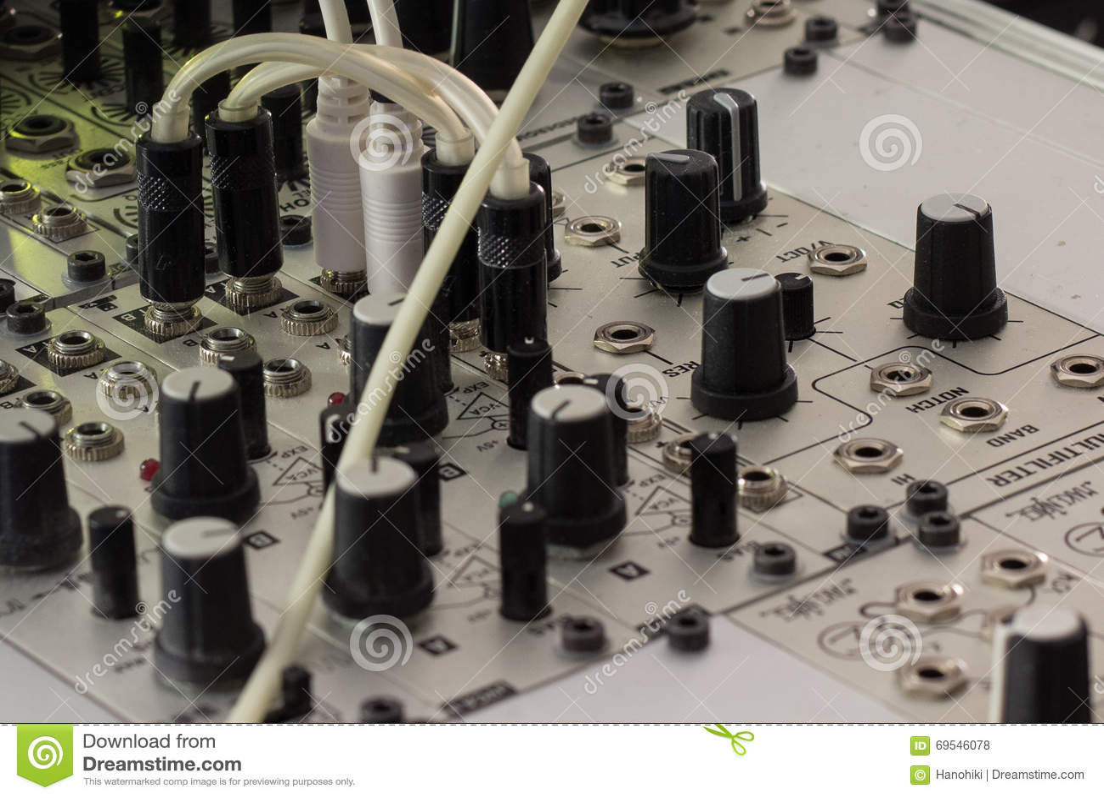 a poco prezzo 2019 professionista nuovi oggetti Spine E Manopole - Sintetizzatore Modulare, Primo Piano ...
