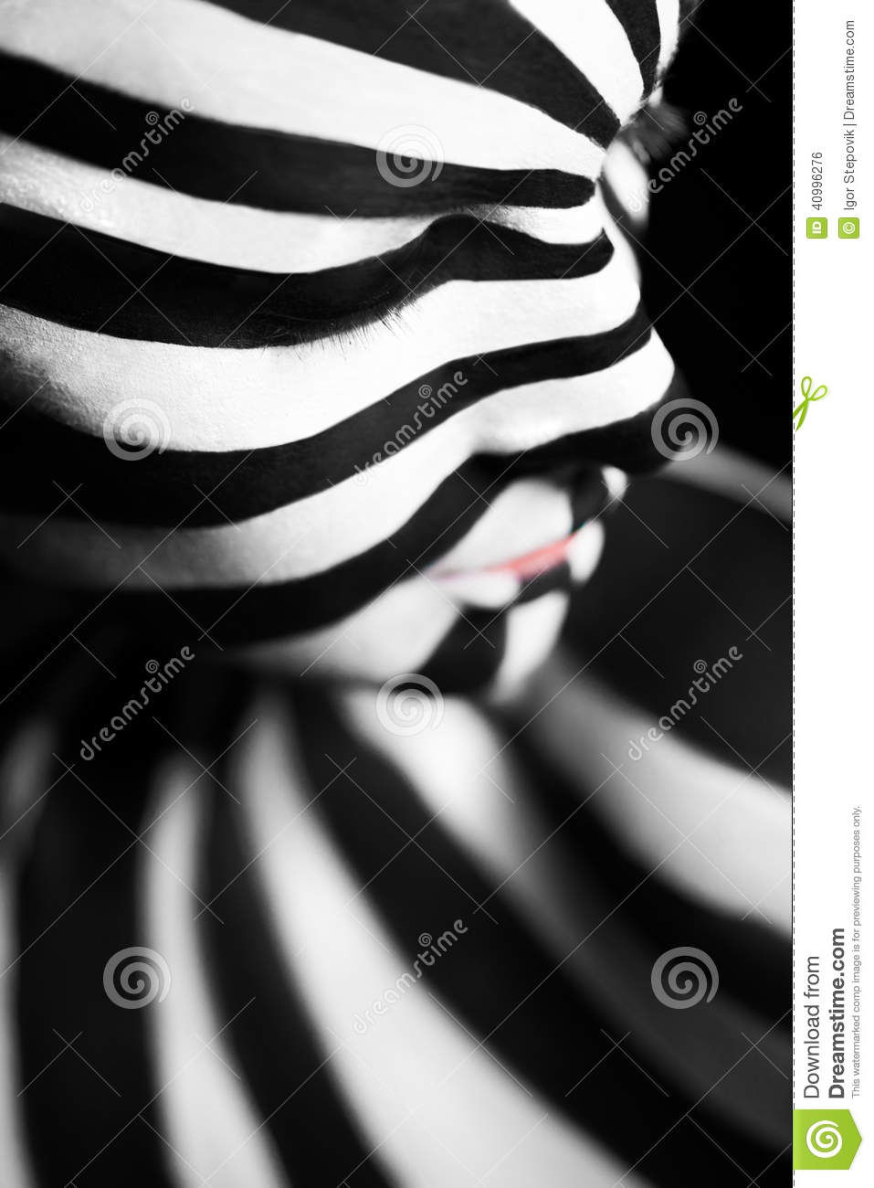 Spiral Bodyart On The Body Of A Young Girl Stock Photo Image Of Paint Creativity 40996276