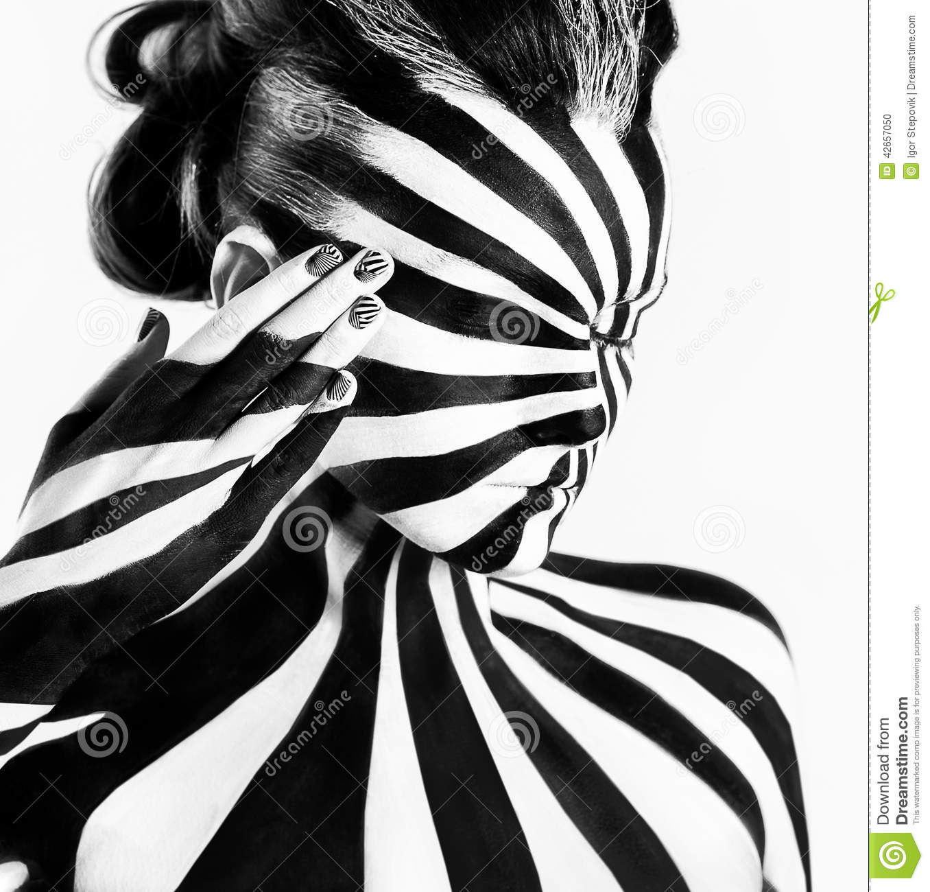 Spiral Bodyart On The Body Of A Young Girl Stock Photo Image Of Caucasian Bodyart 42657050