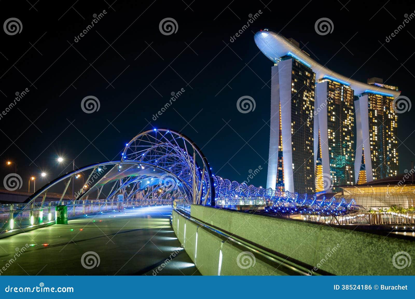Spiralbro, Singapore