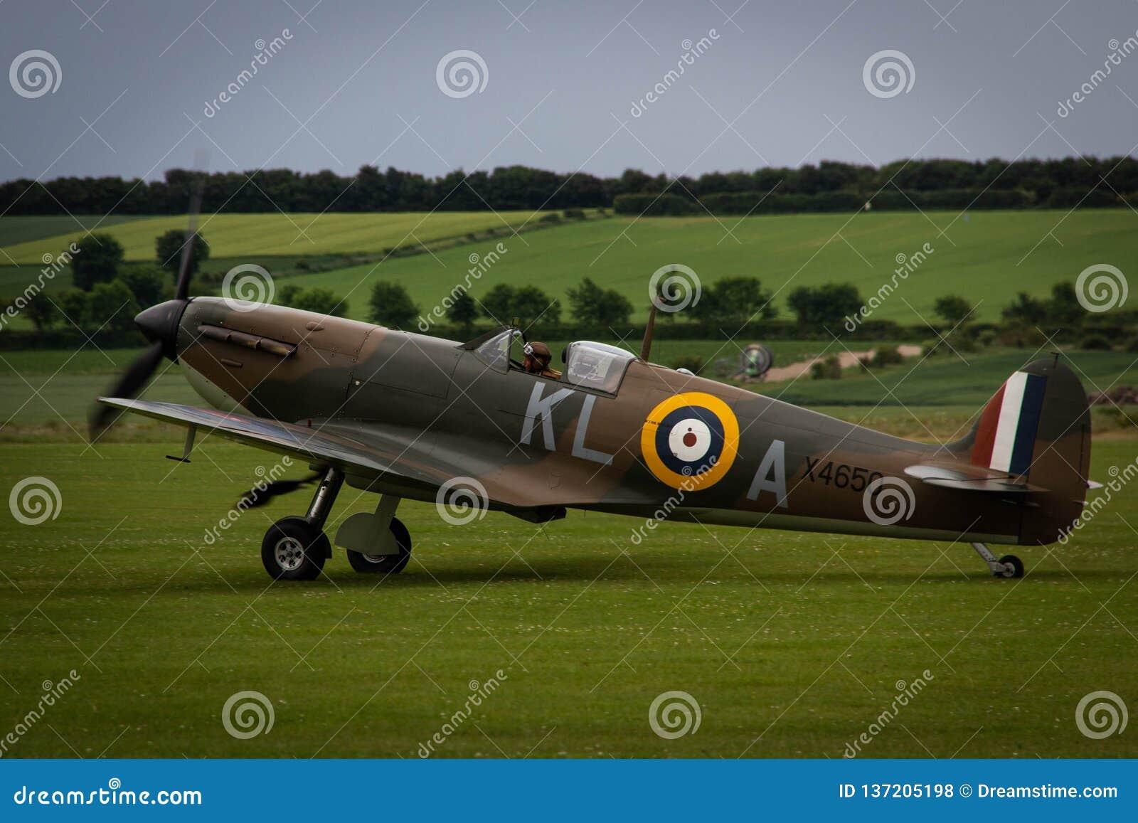 Spitfire на Duxford